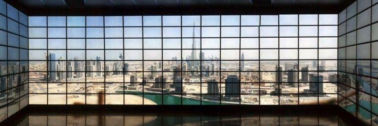 Dubai er blant noe av det man kan se på det 416 skjermer store systemet.Foto: Stony Brook University