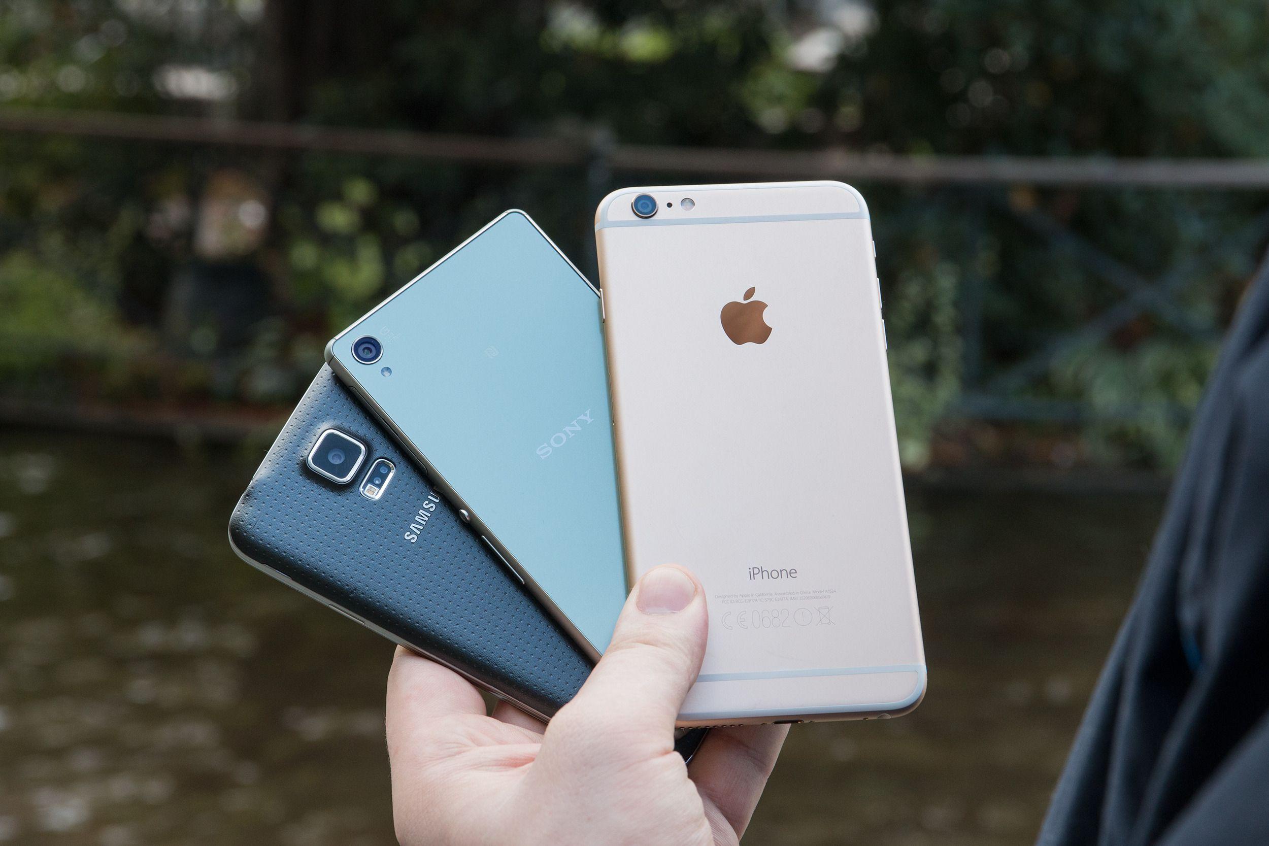 iPhone 6 Plus sammen med noen av konkurrentene.Foto: Jørgen Elton Nilsen, Tek.no