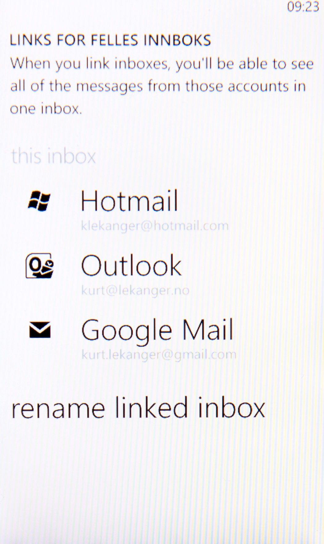 Når du har koblet sammen flere e-postkontoer i Windows Phone, vises de som én