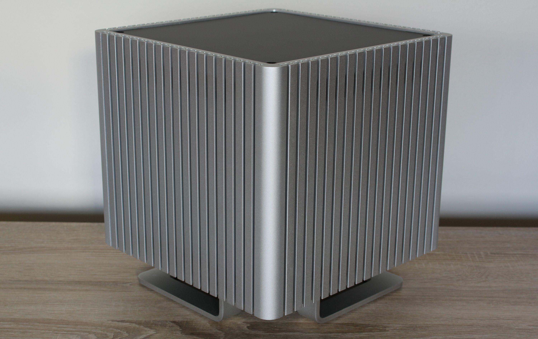 Streacom DB4 i all sin kubistiske prakt.