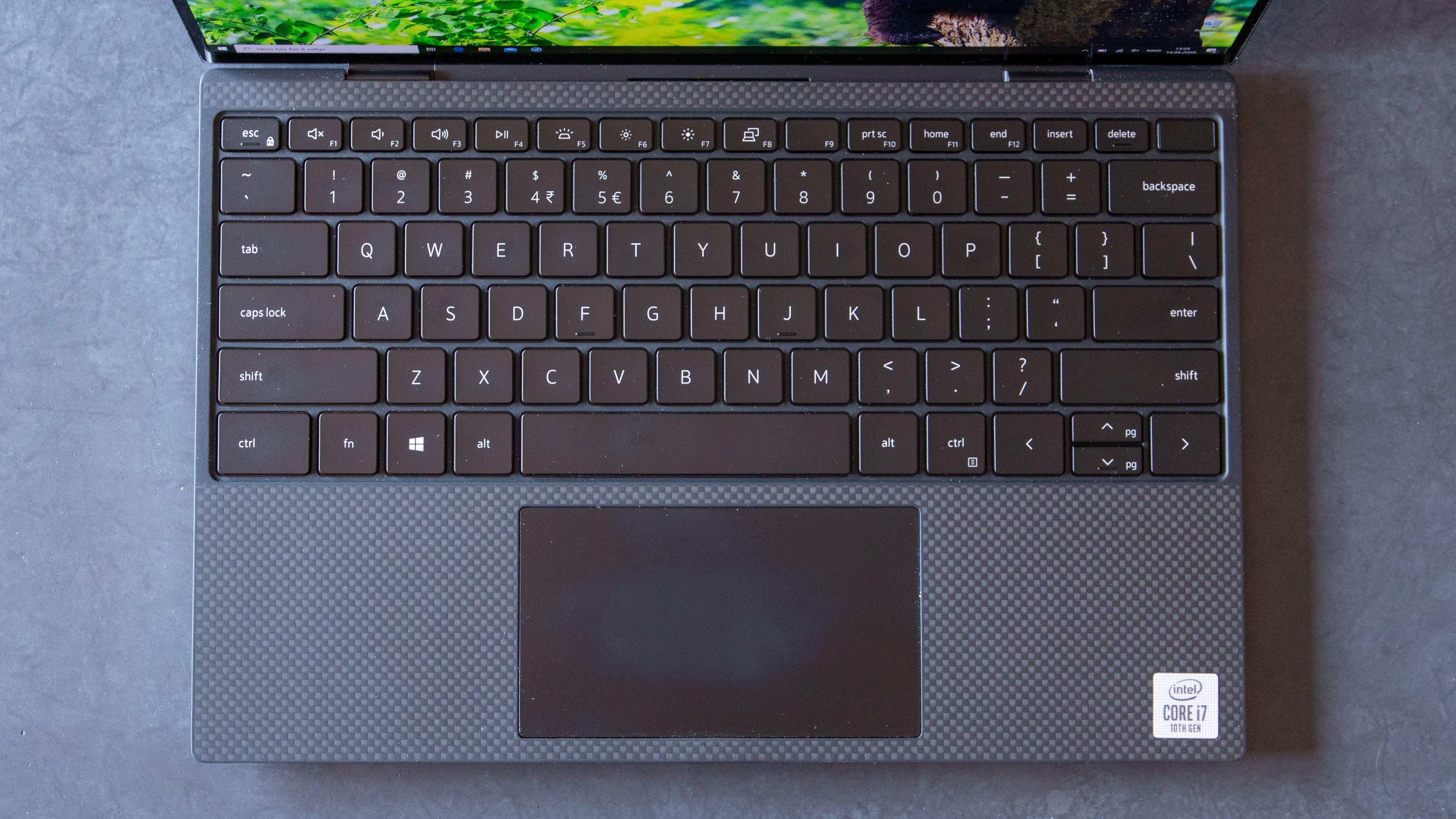OBS: Vi har fått tilsendt et eksemplar til test med annet tastaturoppsett enn modellene som selges i Norge.