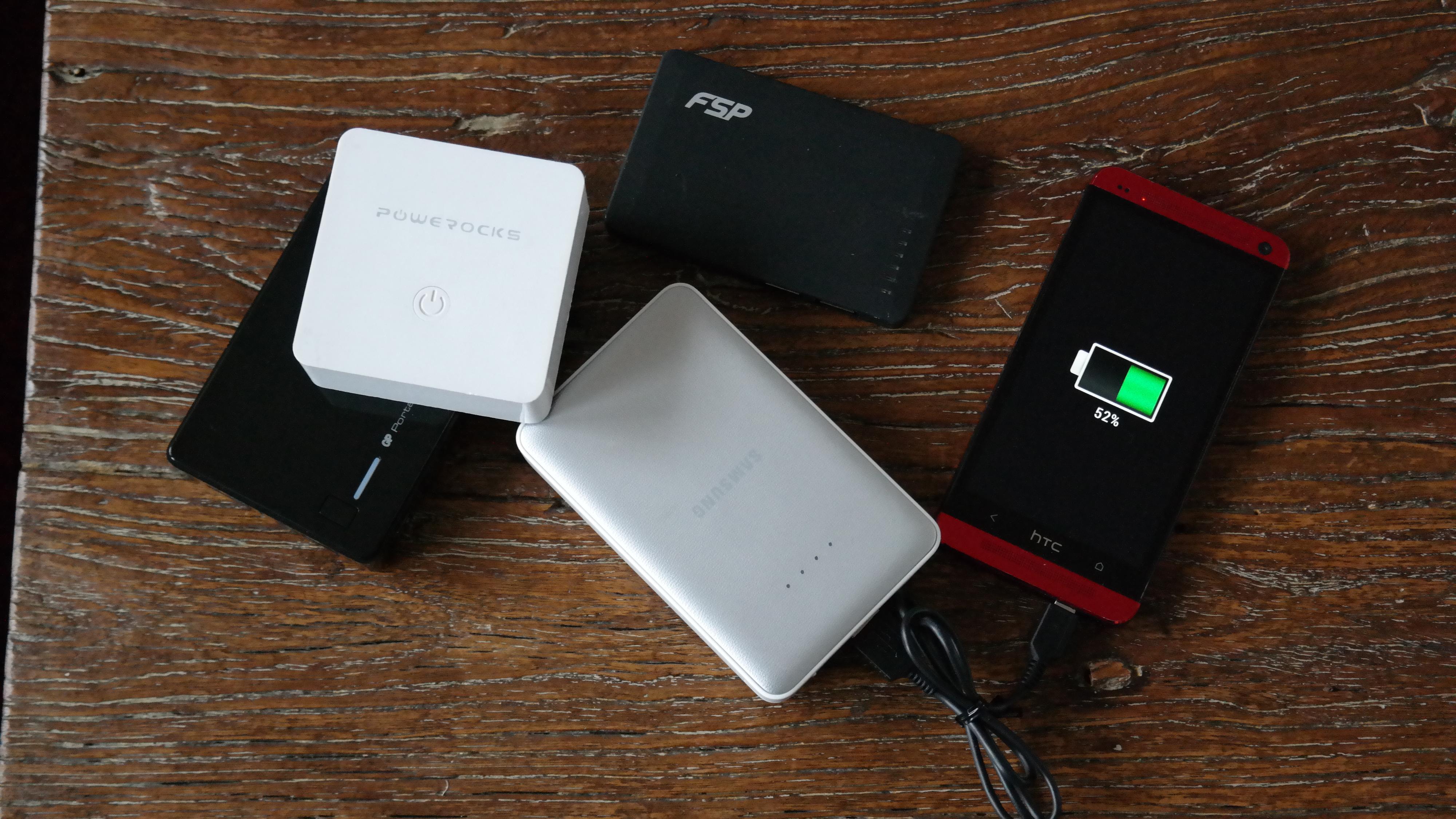 En batteribank, også kalt nødbatteri' gir deg noen timer ekstra strøm til mobilen. Foto: Espen Irwing Swang, Tek.no