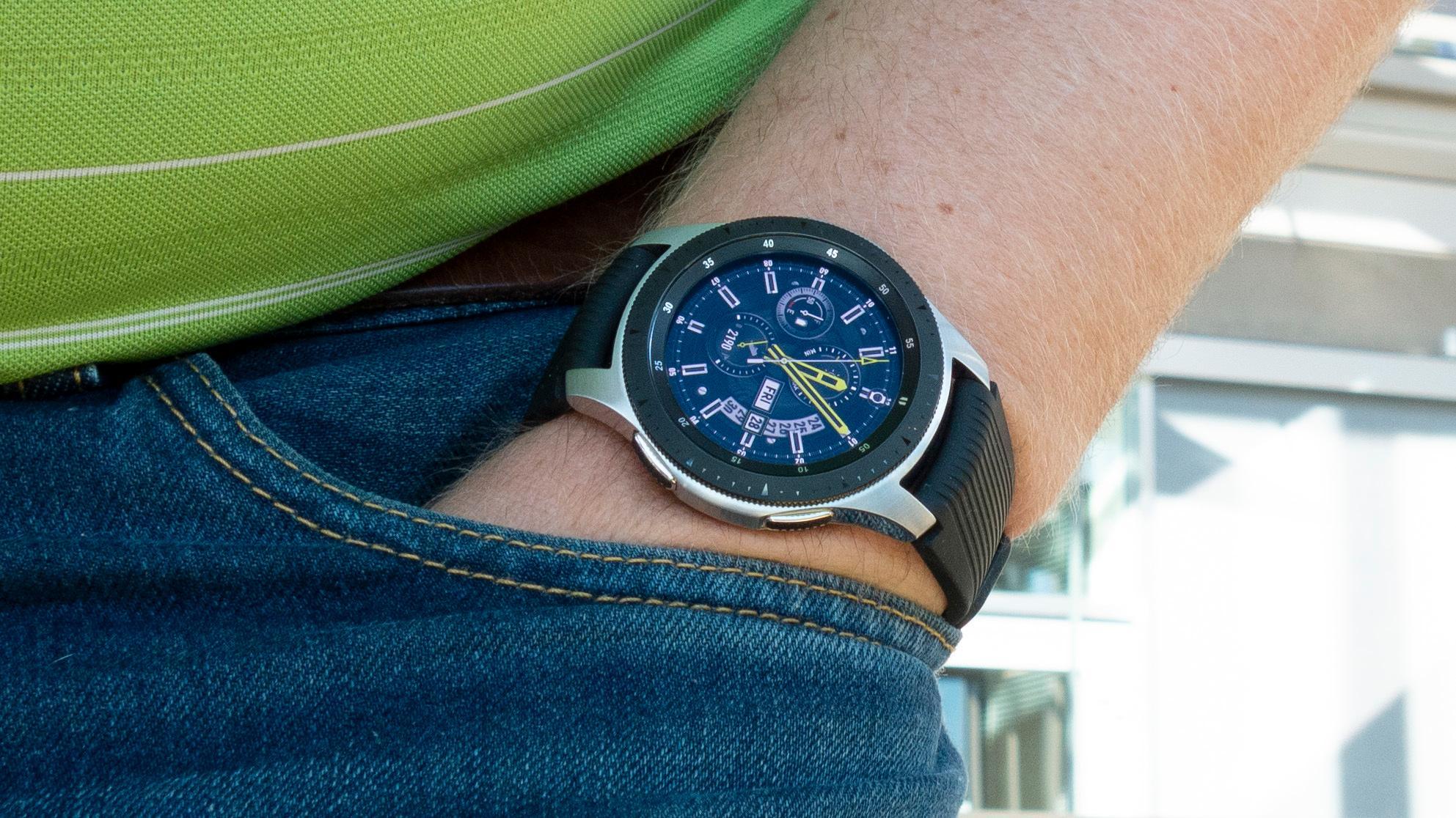 Klokken er storvokst, og tar mye plass på armen.