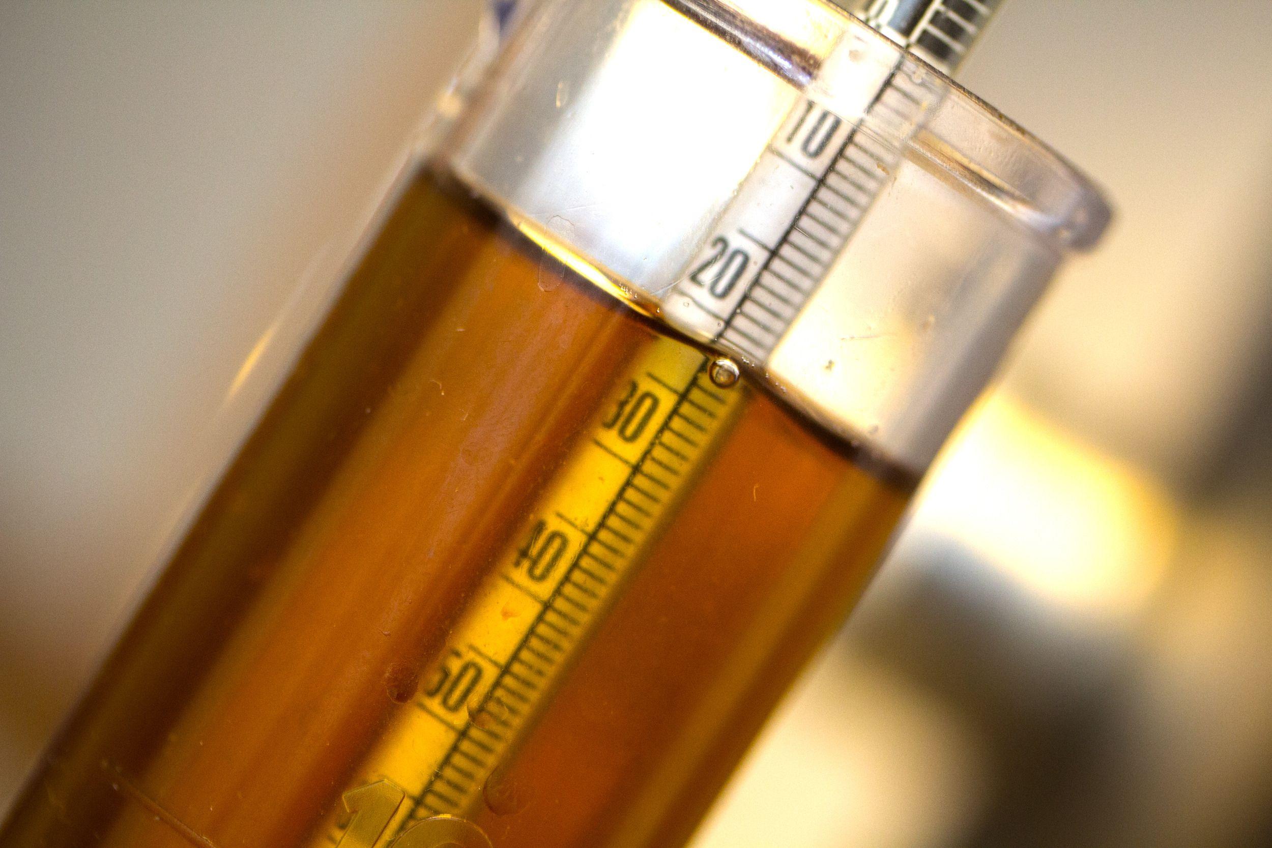 Det er ikke nødvendig med en gang, men du bør rimelig snart skaffe deg en oechslevekt. Den brukes for å måle maltose-innholdet i vørteren og det ferdige ølet. Foto: Rolf B. Wegner, Hardware.no
