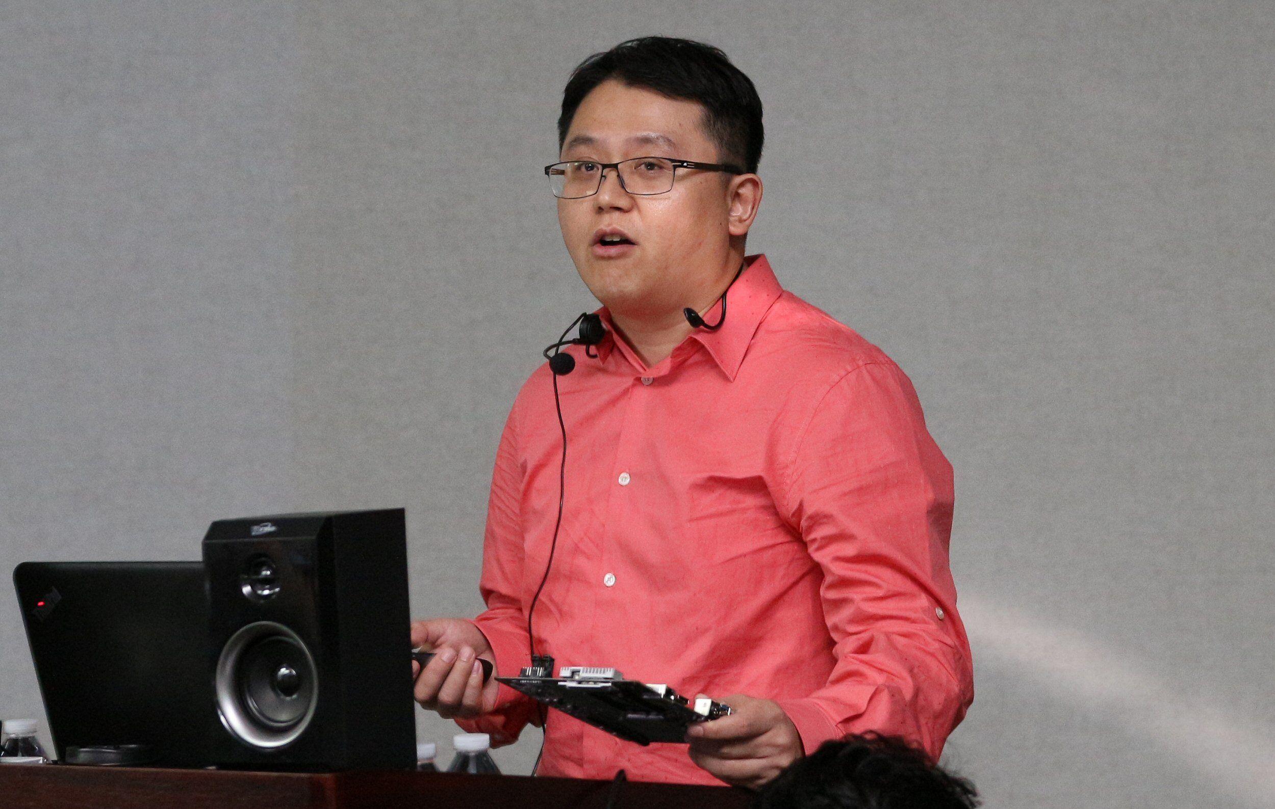 ASRocks Bill Chen snakket om den nye DeskMini GTX/RX.