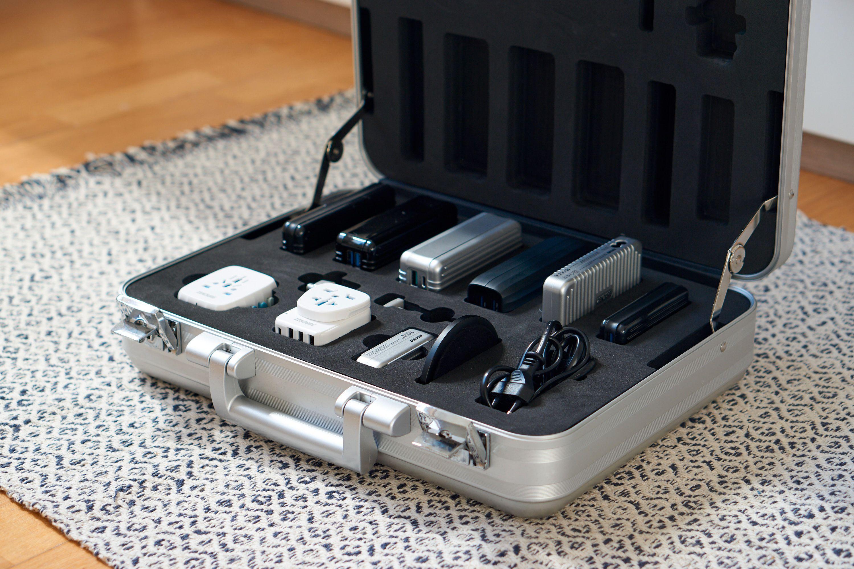 Zendure sendte oss denne kofferten med masse ekstrautstyr; dette følger ikke med ellers. Men det er tilgjengelig.