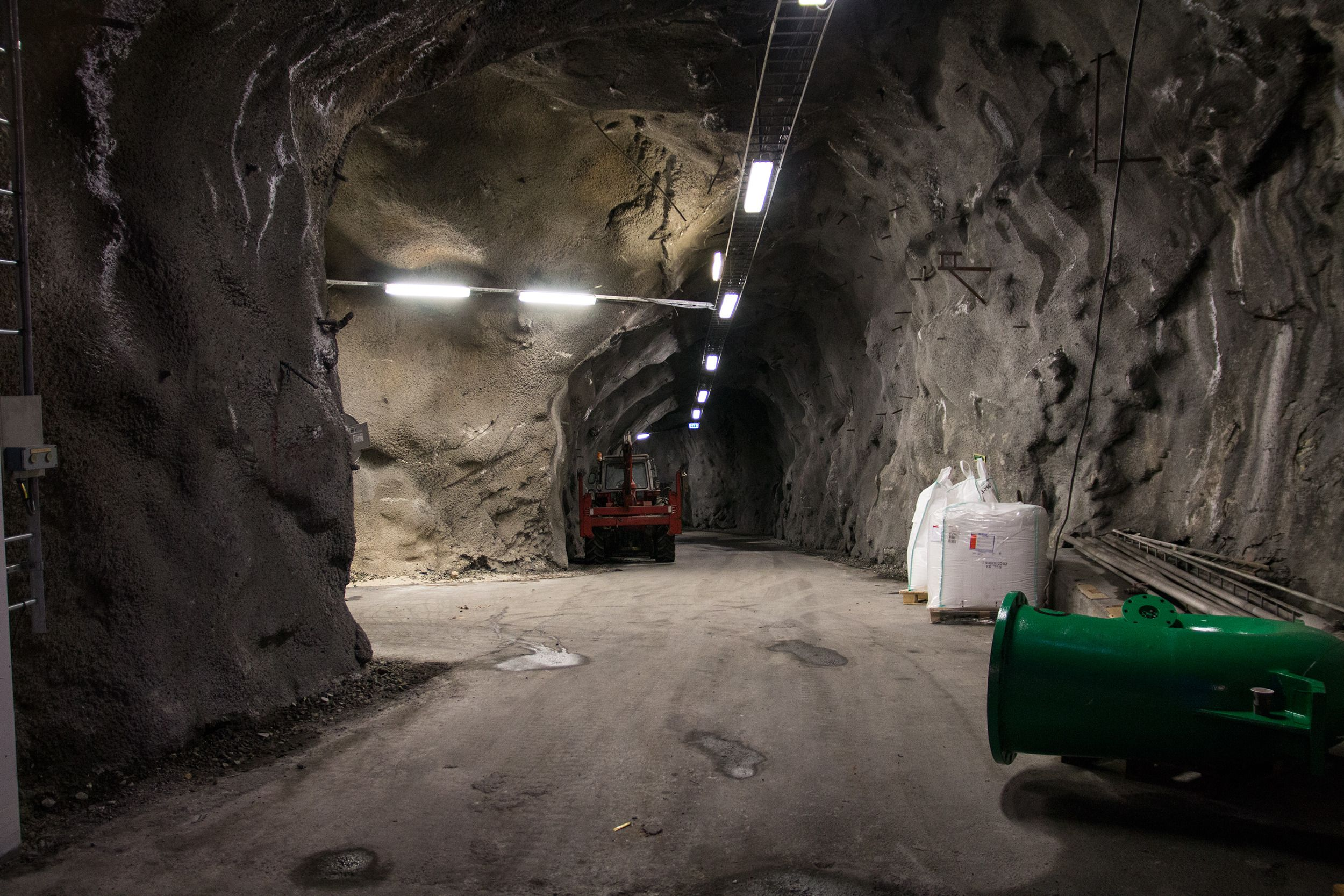 Fjellanlegget som utgjør VEAS er massivt, og skjuler mange tuneller.