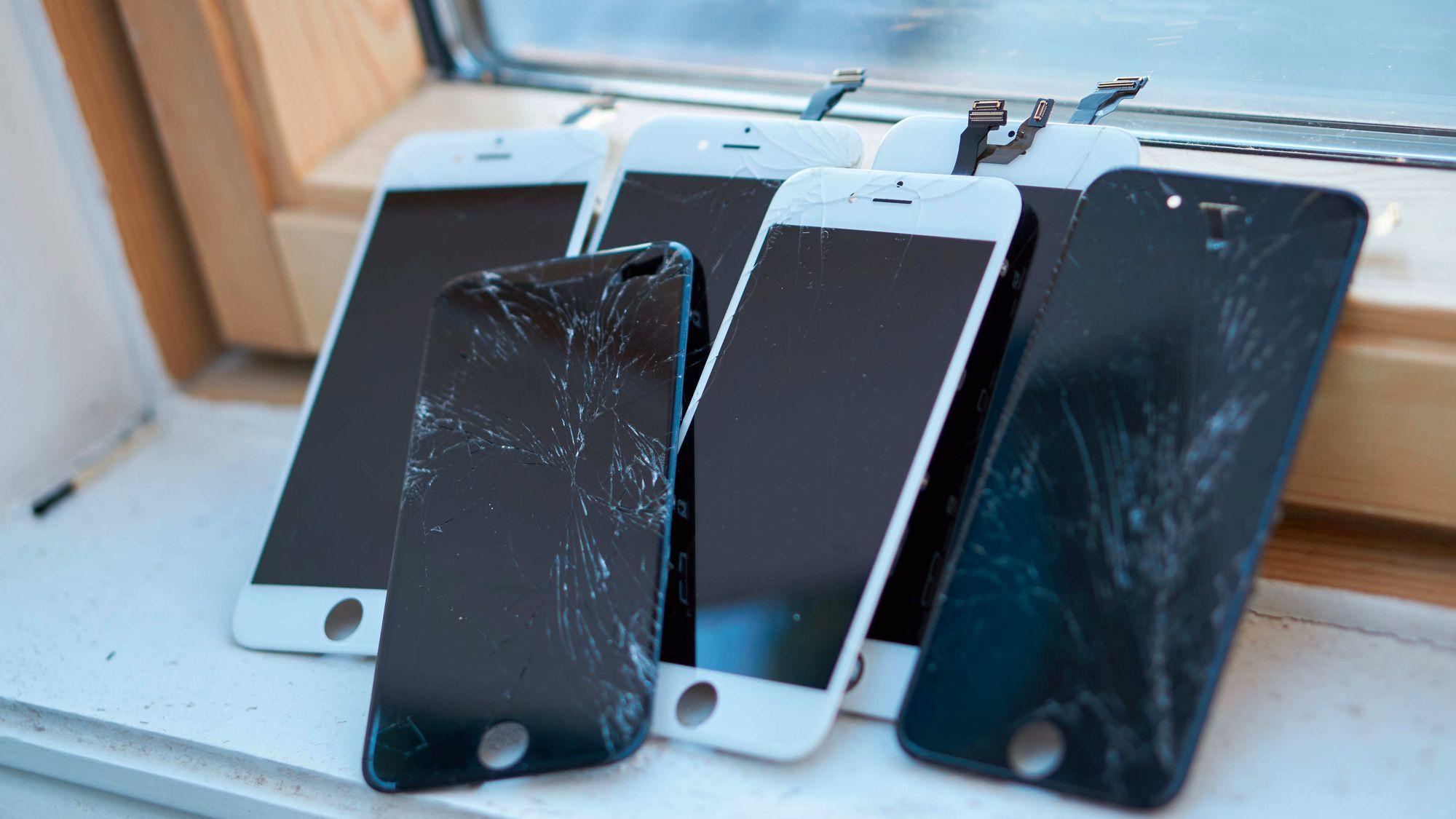 iPhone-skjermer fra en reparasjonsrunde vi gjennomførte her på Tek.no.