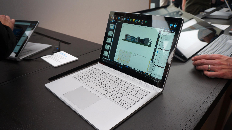 Komplett: Surface Book til Norge 3. mars