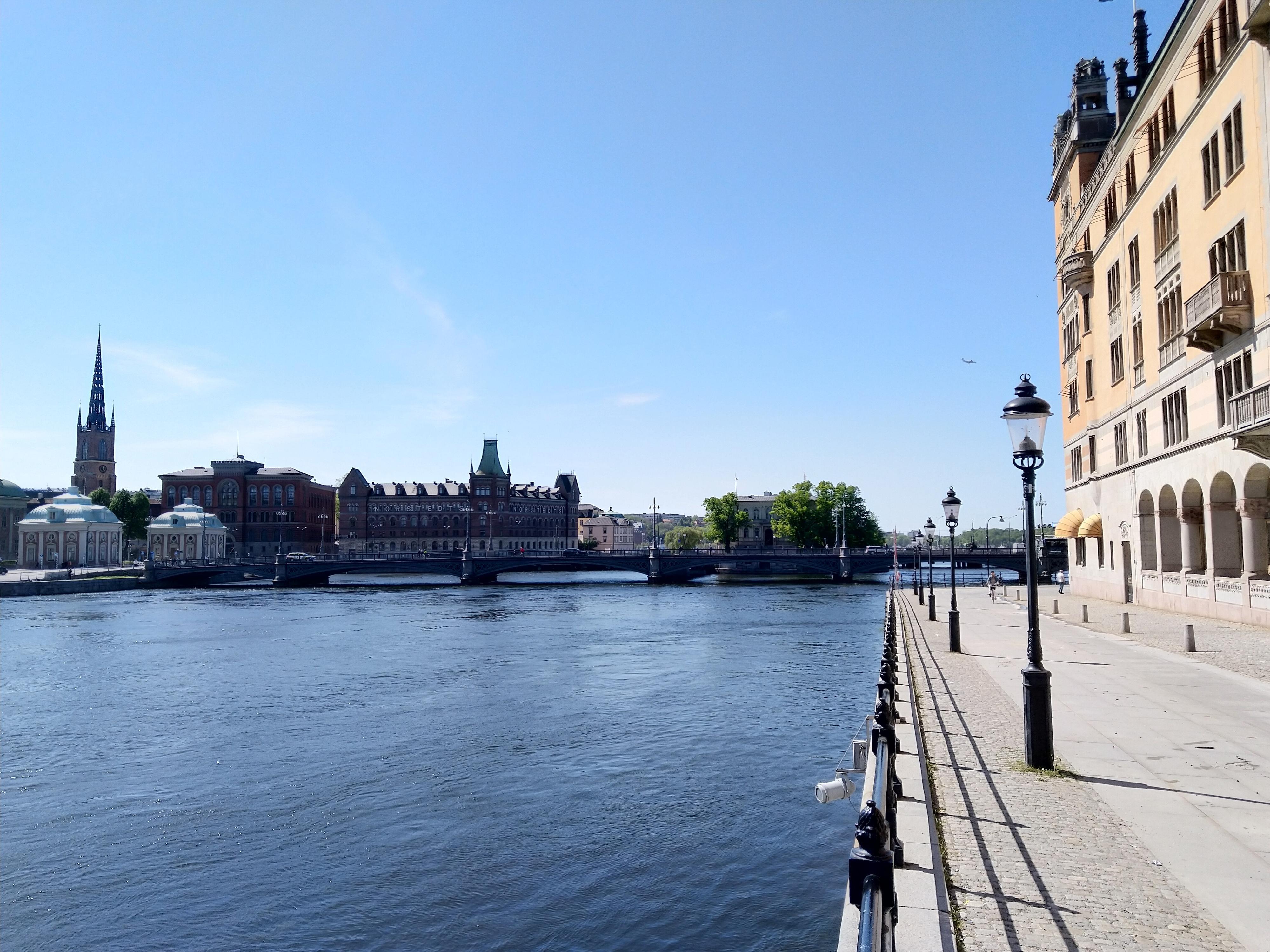 Stockholm badet i sol.