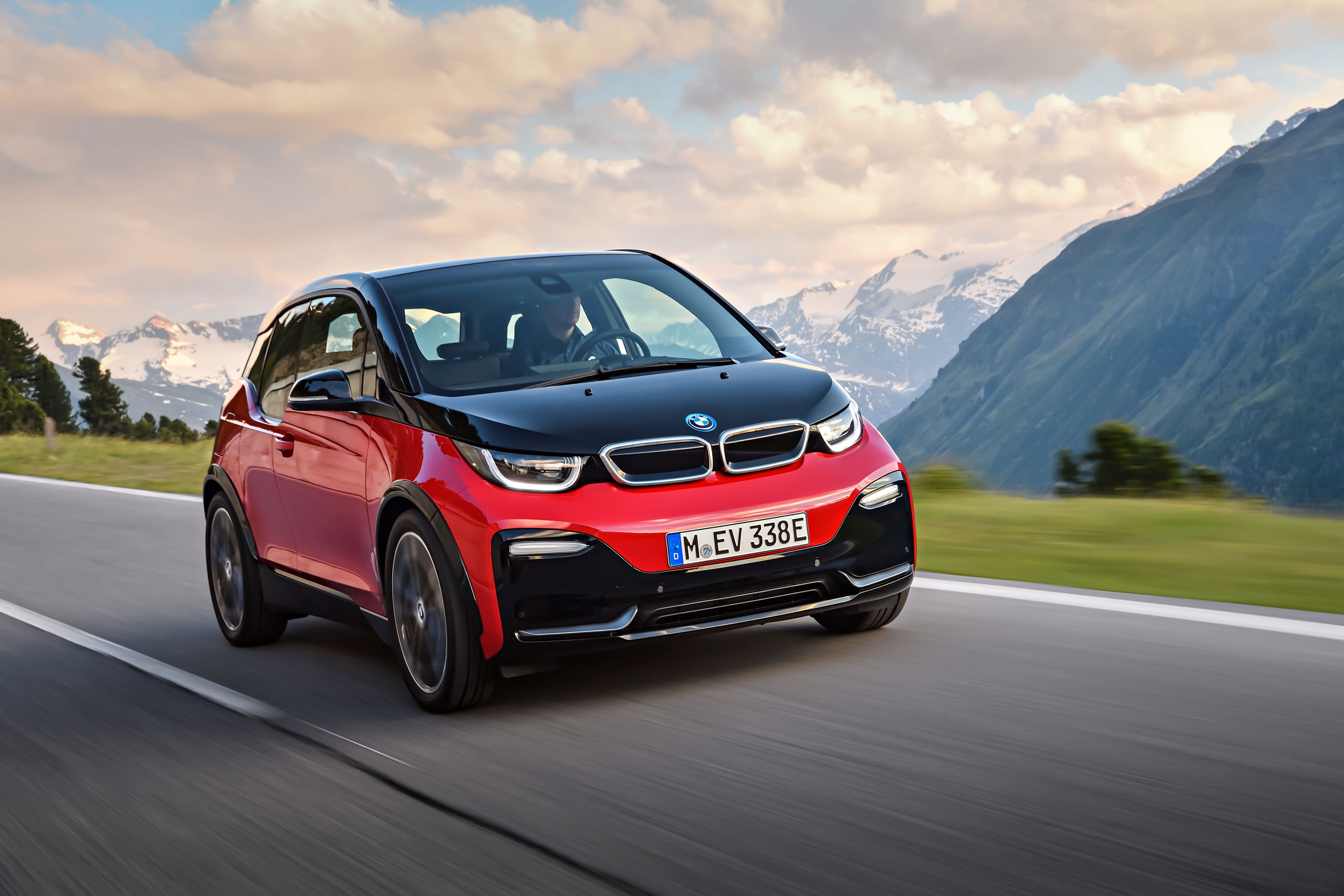 BMW i3s.