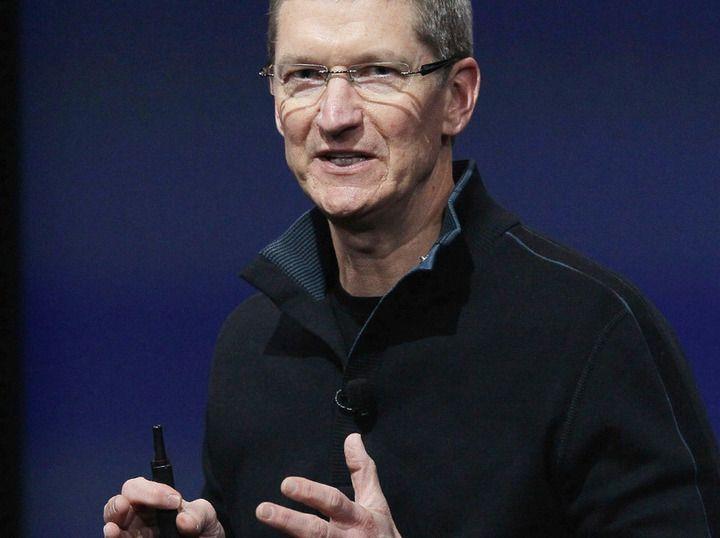 Om ryktene stemmer er det kun en drøy måned til vi får se Apple-sjef Tim Cook avduke to nye og større iPhone-modeller.Foto: Apple