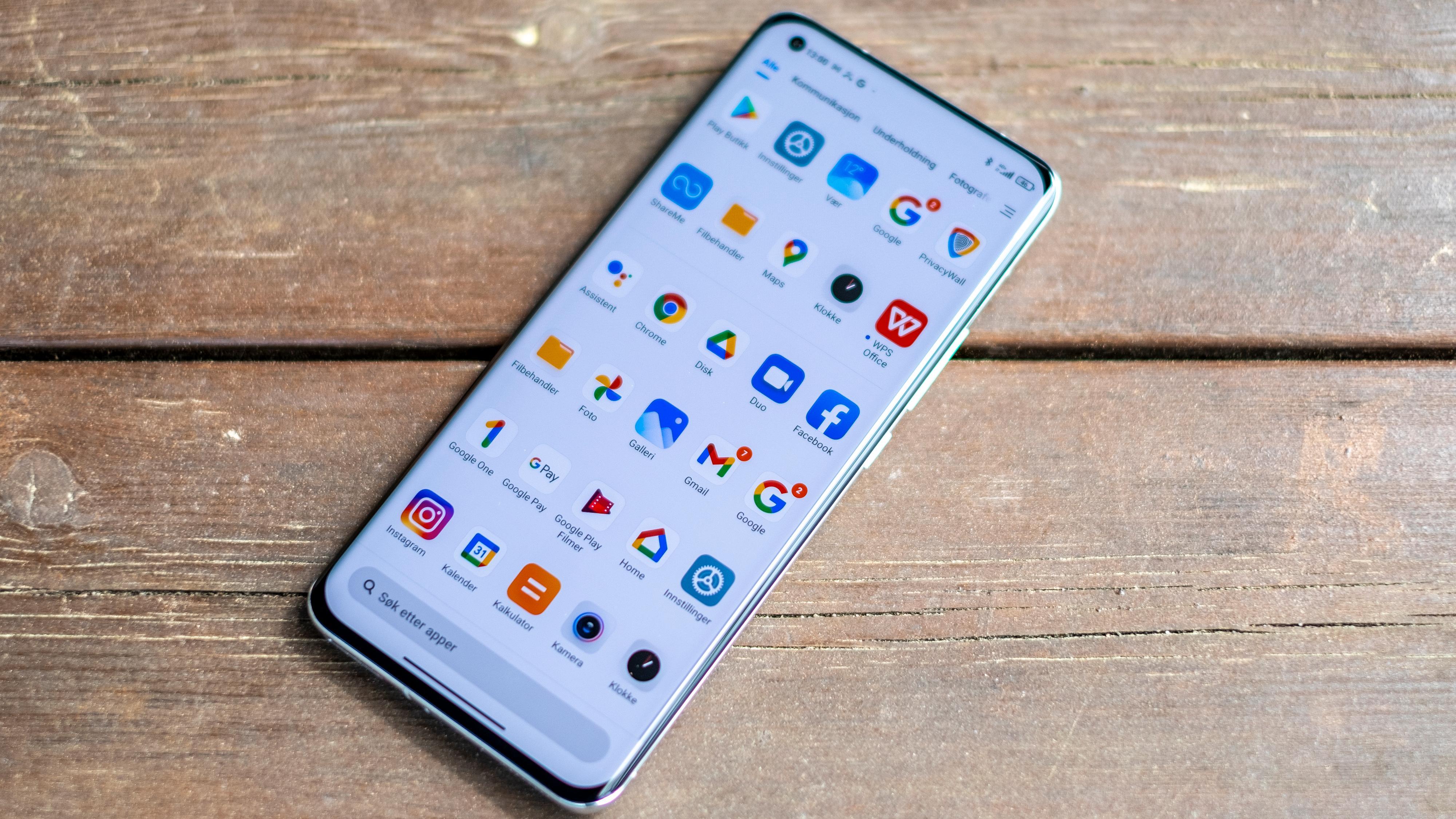 Mi 11 Ultra er en knallbra telefon med høy pris og noen «formfaktorutfordringer». Hvis du vil ha en toppmodell uten reelle svakheter som ingen andre har bør du løpe og kjøpe.