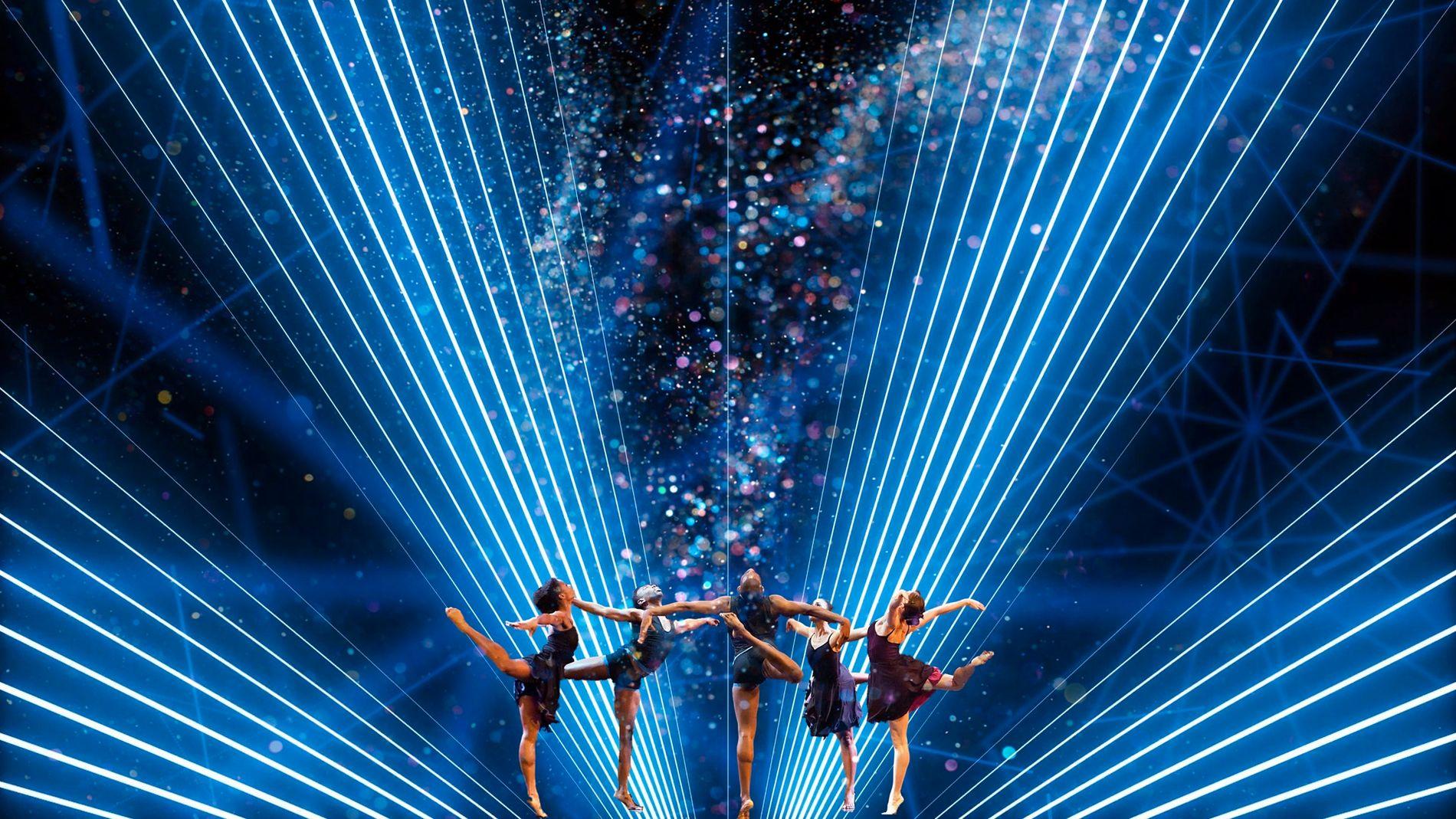 I tillegg til de flotte sangene vil enestående koreografi, fantastiske dansere og visuelle effekter prege Chess.