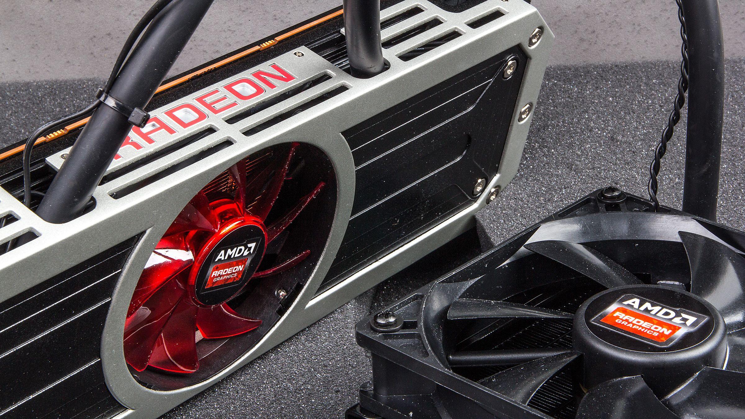 AMDs nyeste toppmodell har to kjerner, vifte og radiator montert fra fabrikken.Foto: Varg Aamo, Hardware.no