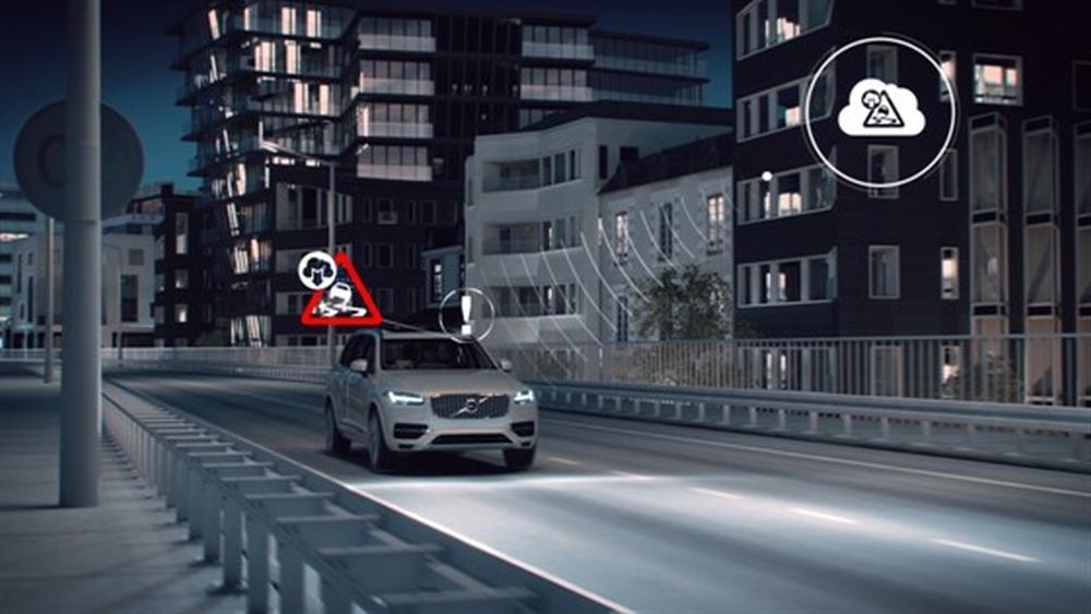 Volvo skal bruke nettskyen til å gjøre bilkjøringen tryggere