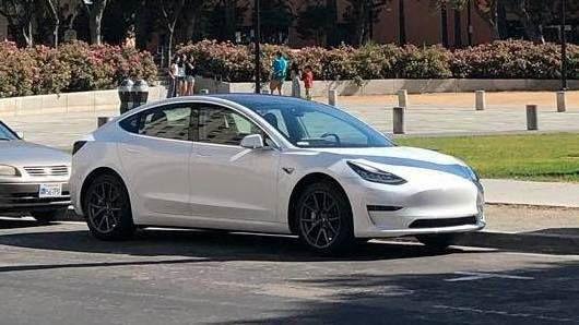 Høyere pris på Model S og X gir større avstand til nye Model 3 som er på vei inn i det norske markedet i første halvår av 2019.