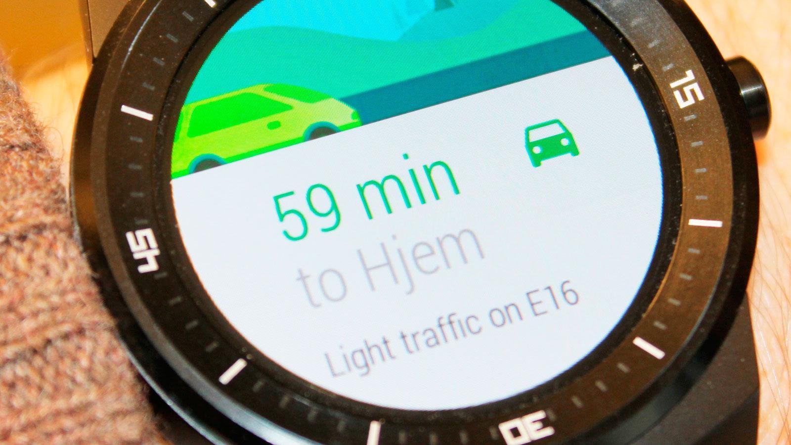 Klokken kan hoste opp informasjon den mener du har bruk for. Som reisetid fra jobb til hjem.Foto: Espen Irwing Swang, Tek.no