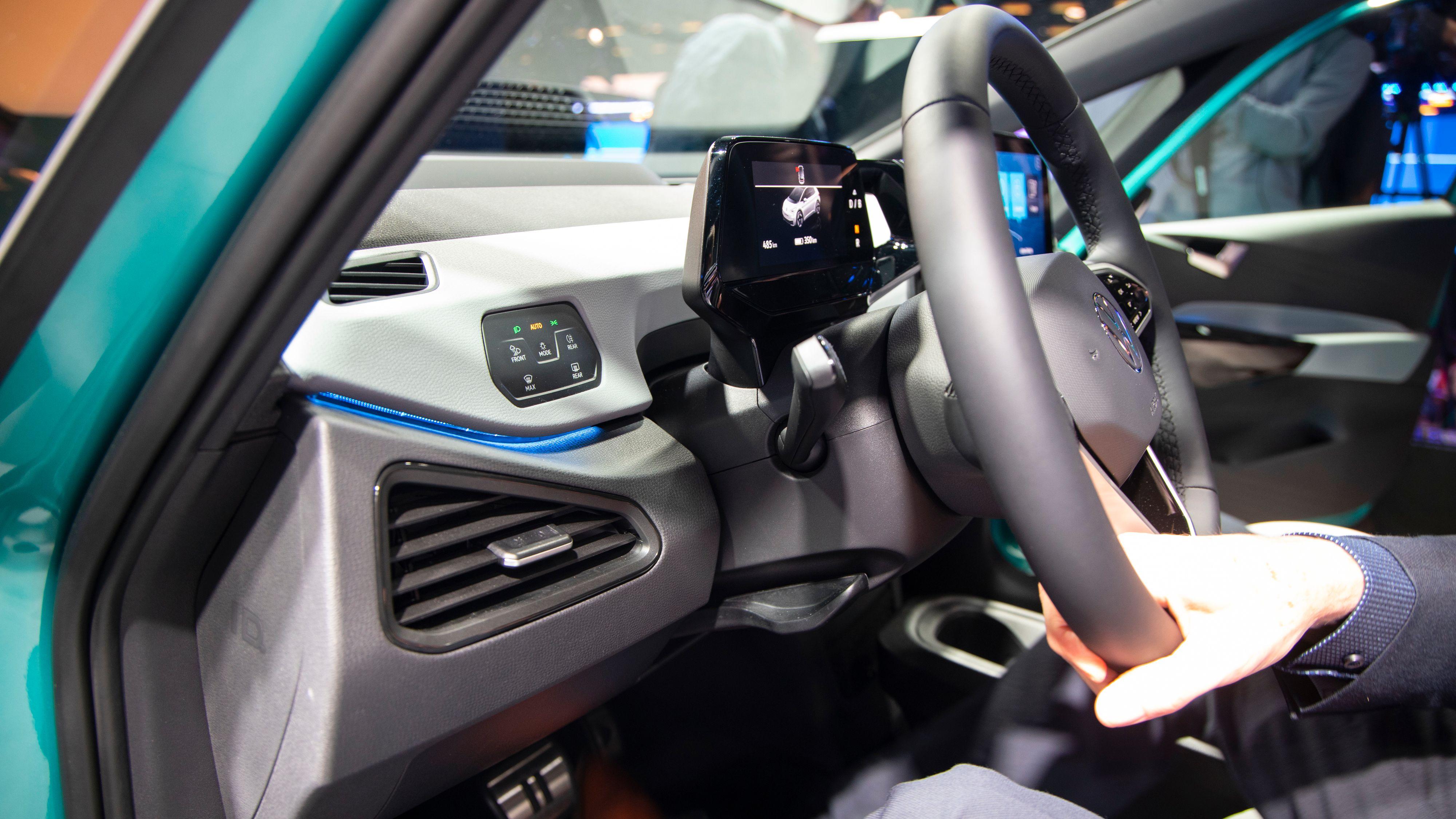 Touchknapper på begge sider av føreren.