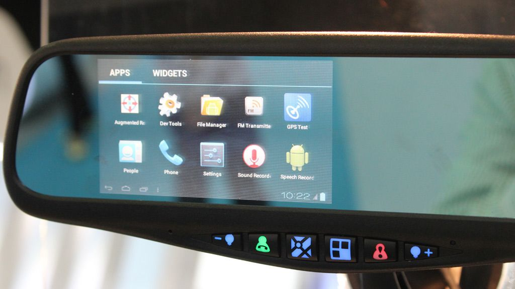 Androidmobil i bilspeilet? Distributører vi snakket med er skeptiske.
