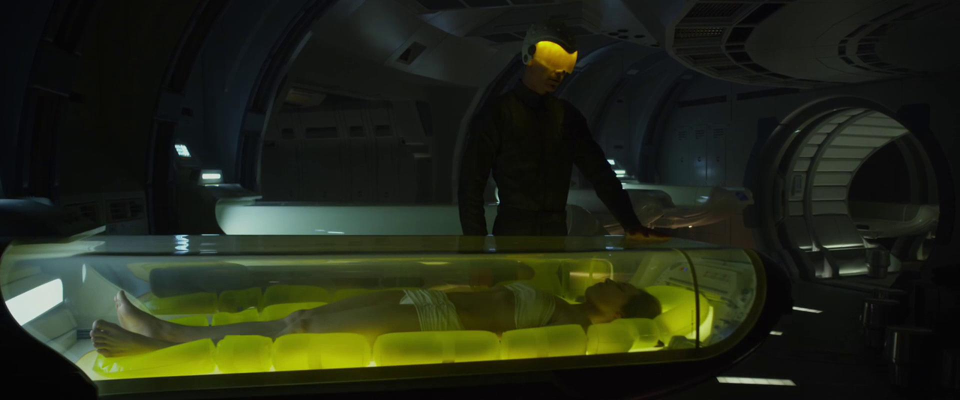 I filmen Prometheus ble passasjerene ombord på skipet lagt i dvale mens en robot passet på skipet. Foto: 20th Century Fox
