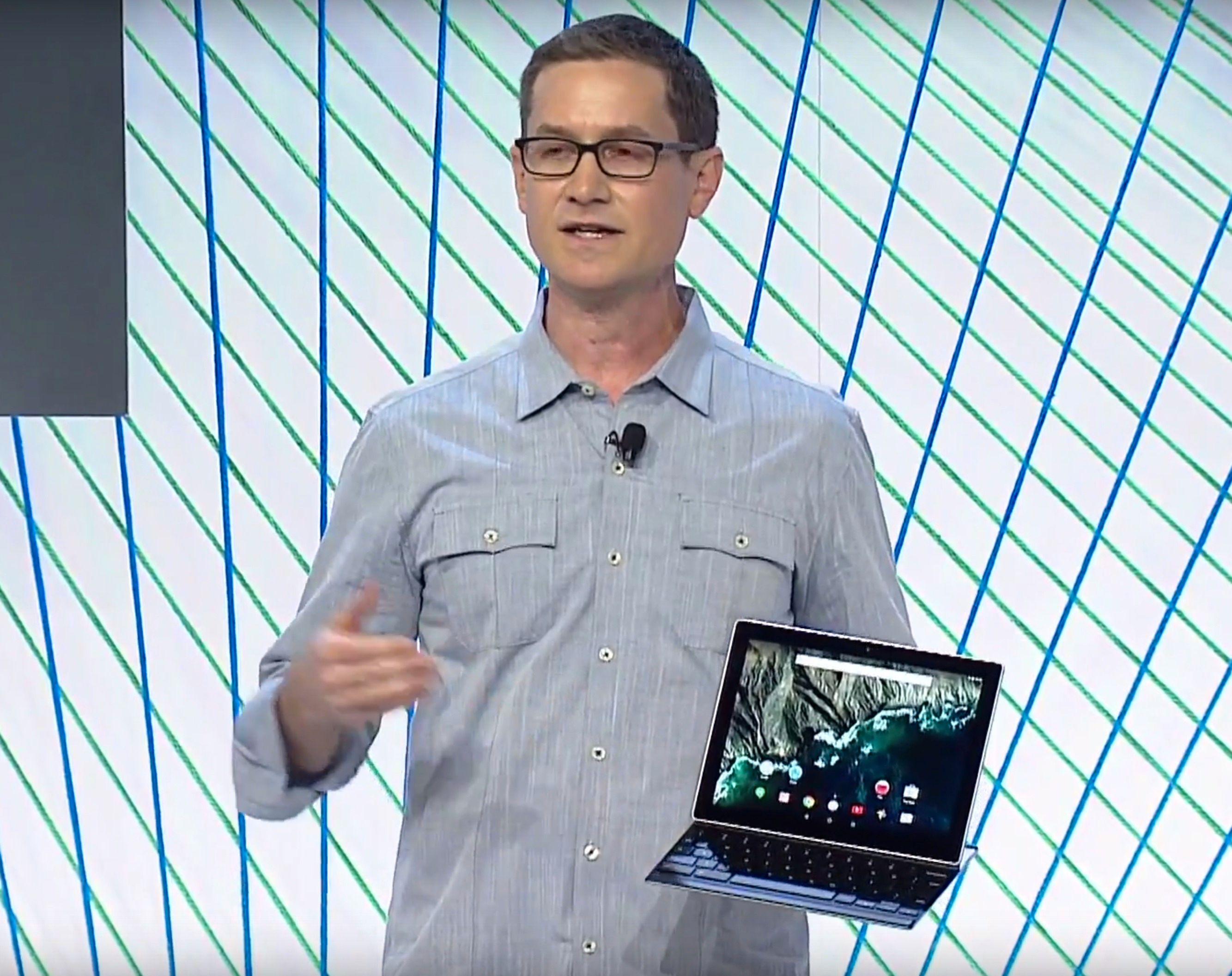 Googles produktsjef, Andrew Bowers, presenterer Pixel C. Foto: Google/skjermdump