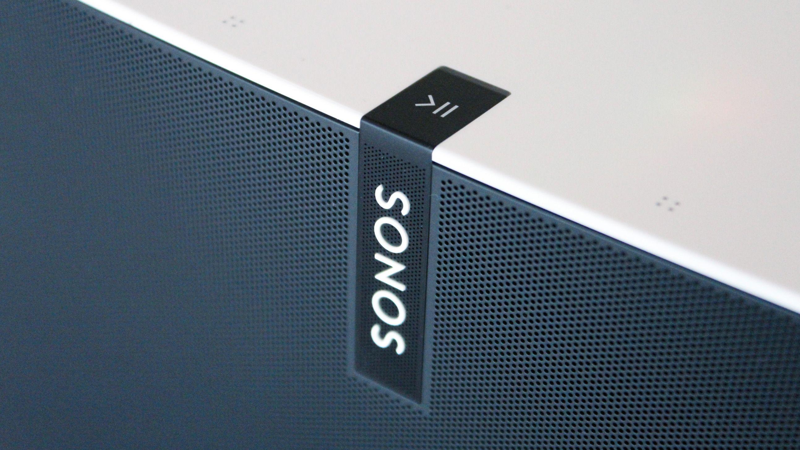 Sonos Play:5 har berøringskontroller så det er blitt lettere å kontrollere musikken. Foto: Espen Irwing Swang, Tek.no
