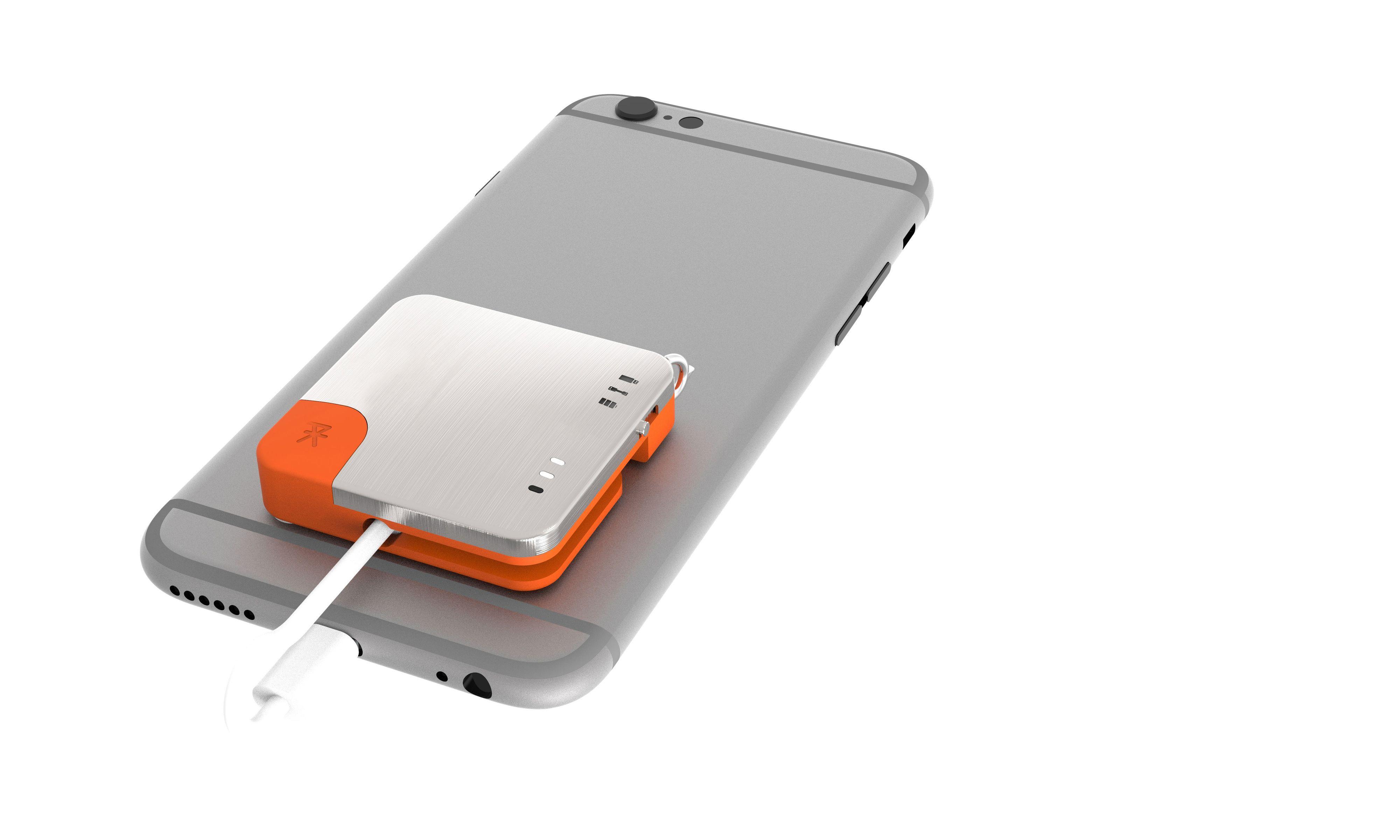 Denne dingsen er back up-batteri, hurtiglader og minnepinne i ett.