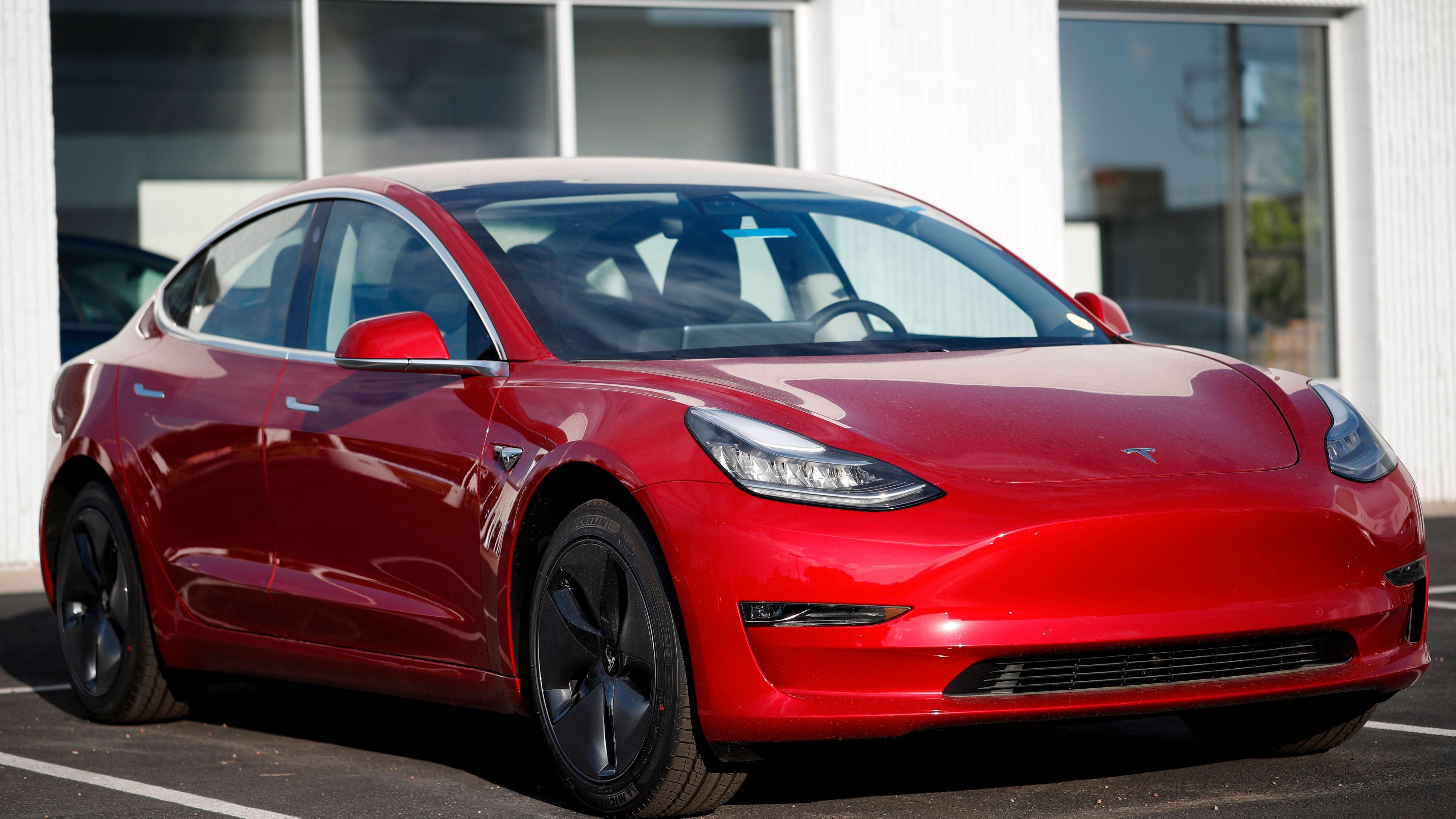 Tesla øker ladefarten på sin billigste Model 3