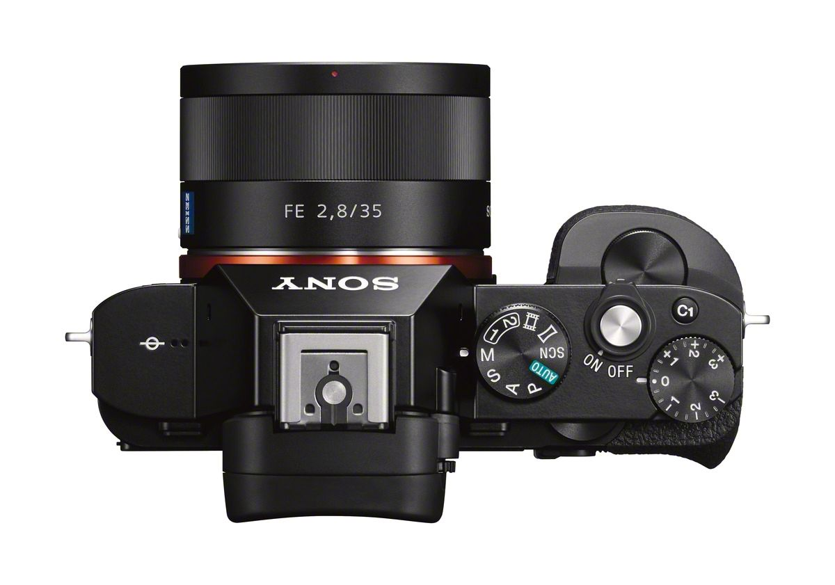 A7r ovenfra. Foto: Sony