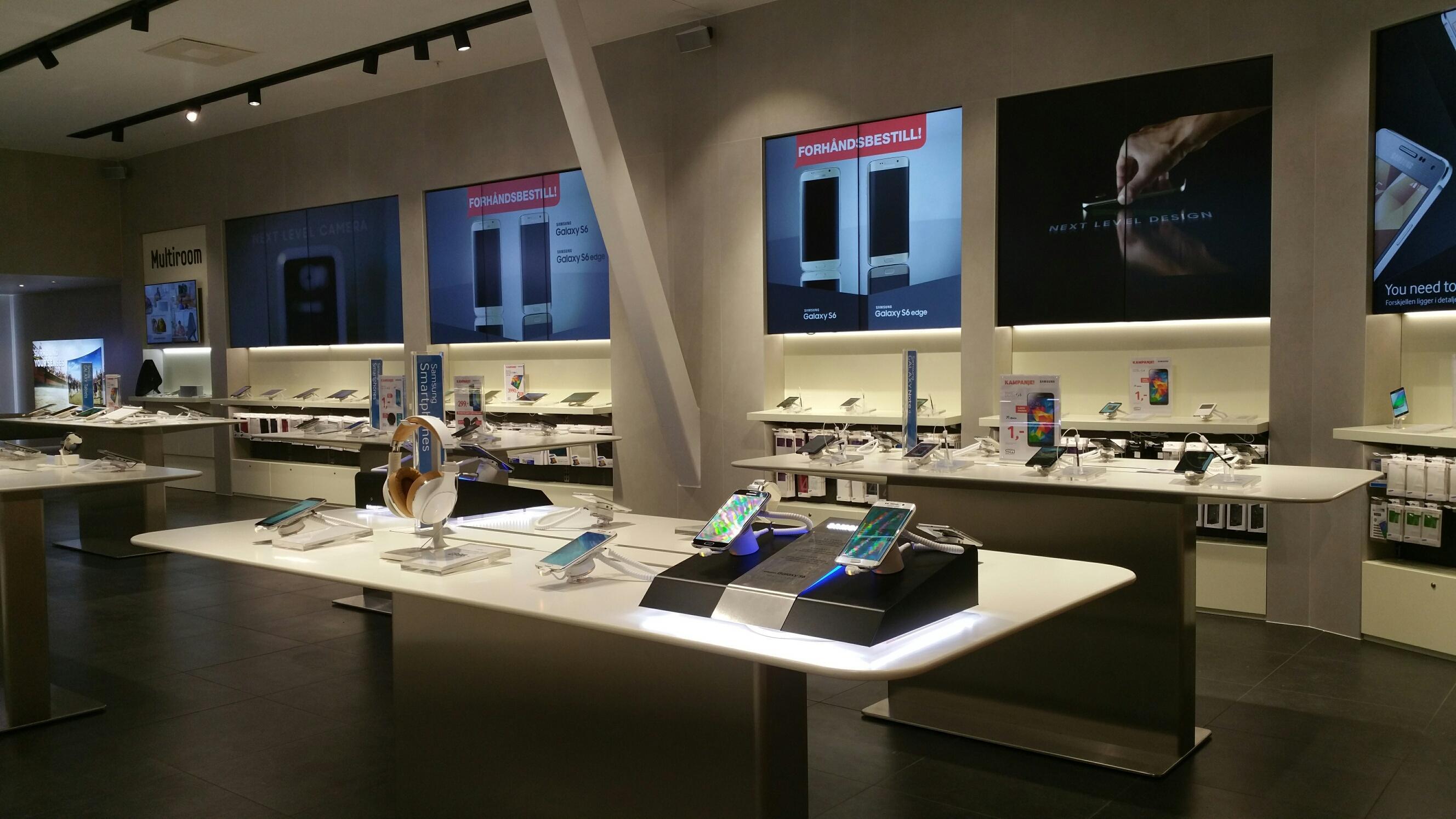 Nå kan du selv ta de nye Samsungmodellene i øyensyn. Foto: Samsung Norge
