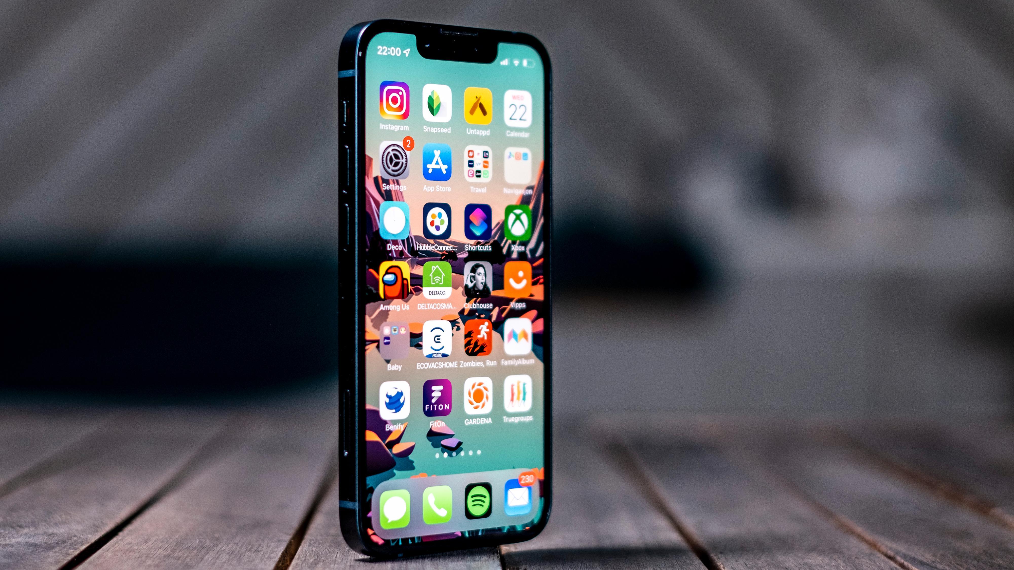 iPhone 13 Mini er den eneste mobilen i sitt slag. Ingenting annet er like kraftig på ytelse og foto