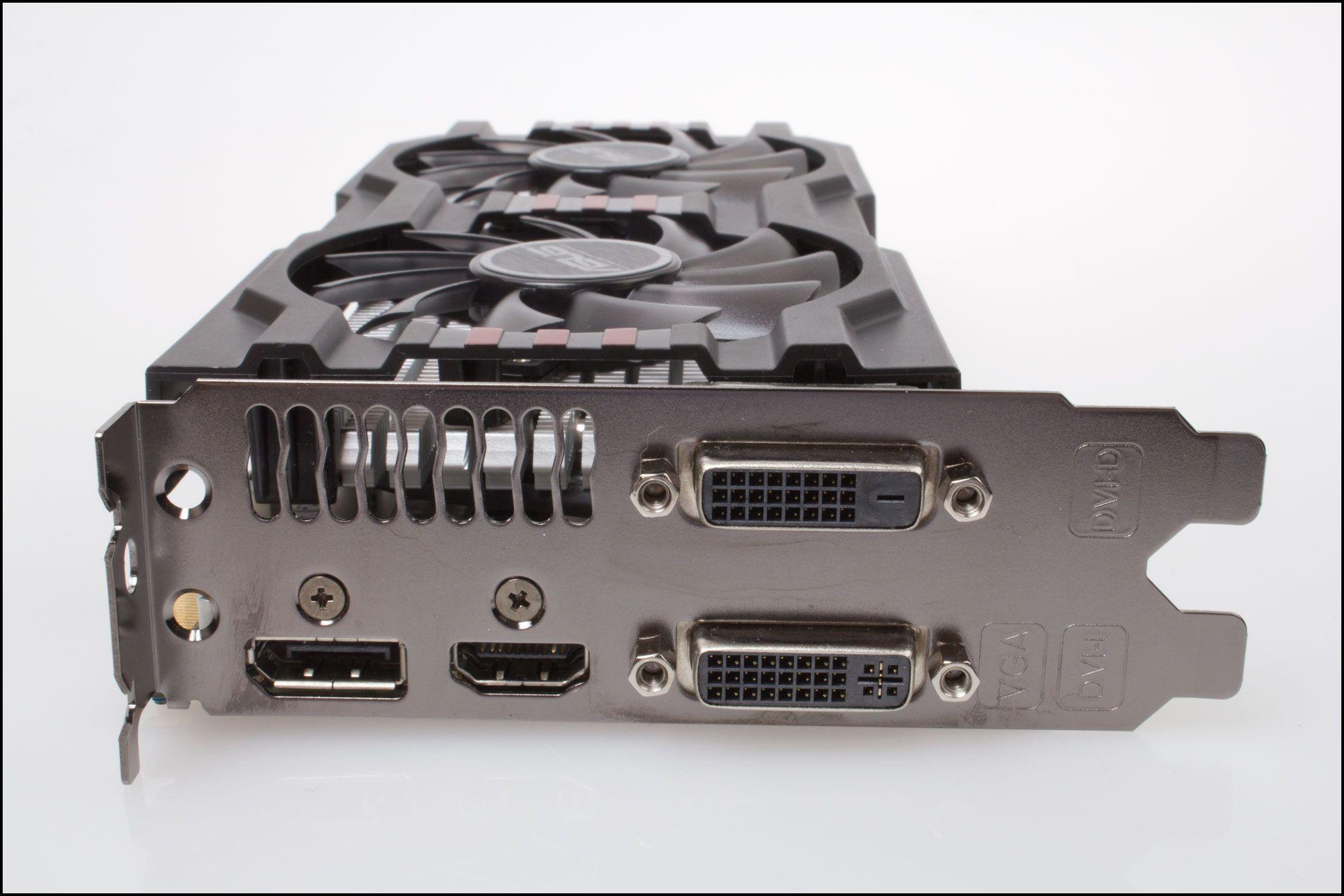 Dobbelt opp med både DVI og DisplayPort gir mange tilslutningsmuligheter på hvert kort.Foto: Varg Aamo, Hardware.no
