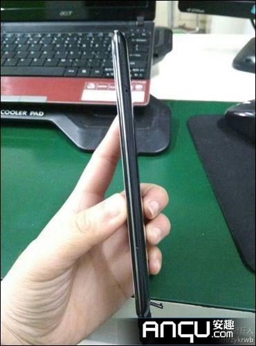 Oppo R809T.Foto: Anqu