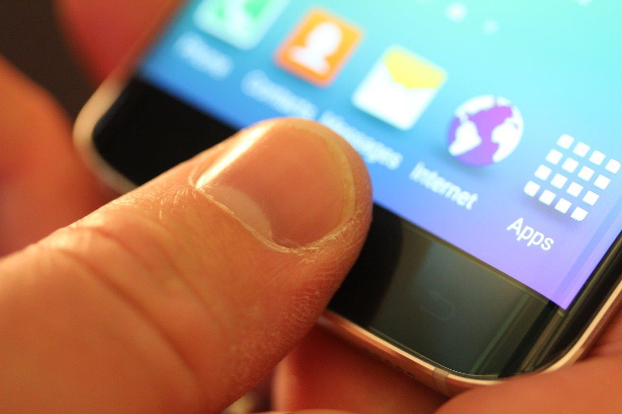 Samsung Galaxy S6 Edge. Foto: Espen Irwing Swang, Tek.no
