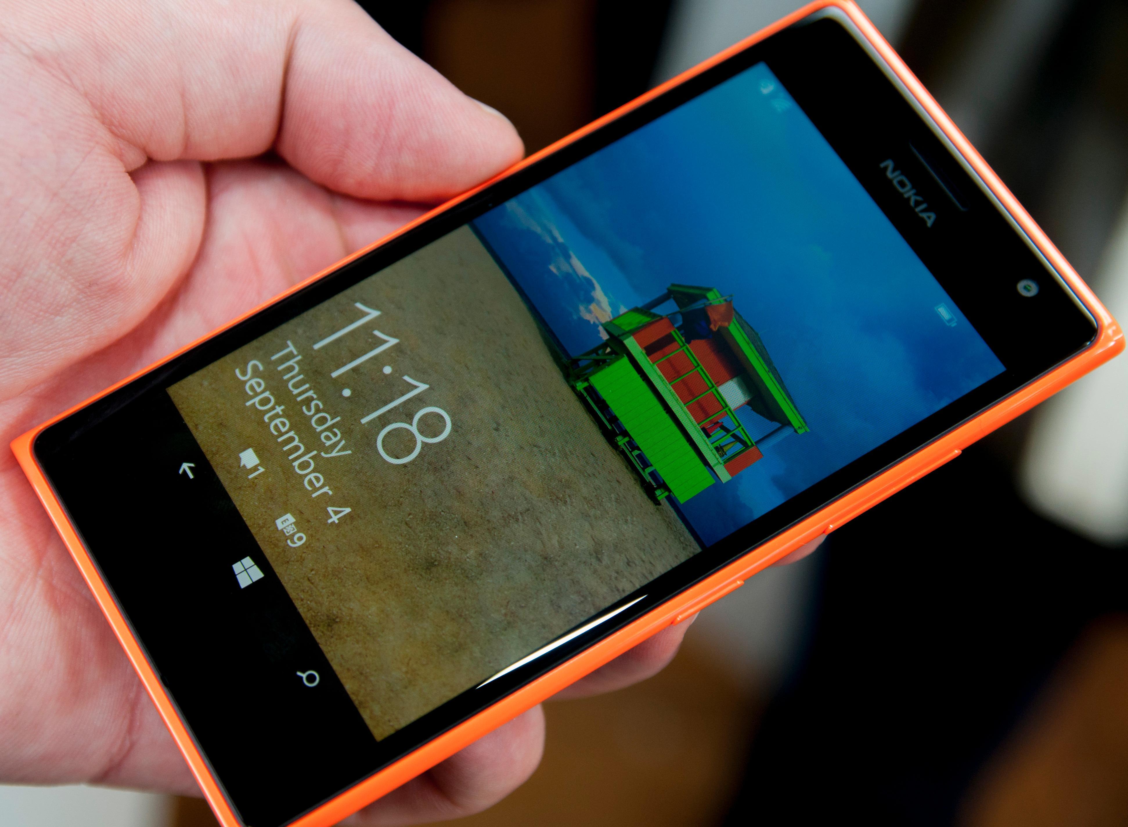 En god AMOLED-skjerm og avrundet skjermglass bidrar til kvalitetsfølelsen.Foto: Finn Jarle Kvalheim, Amobil.no