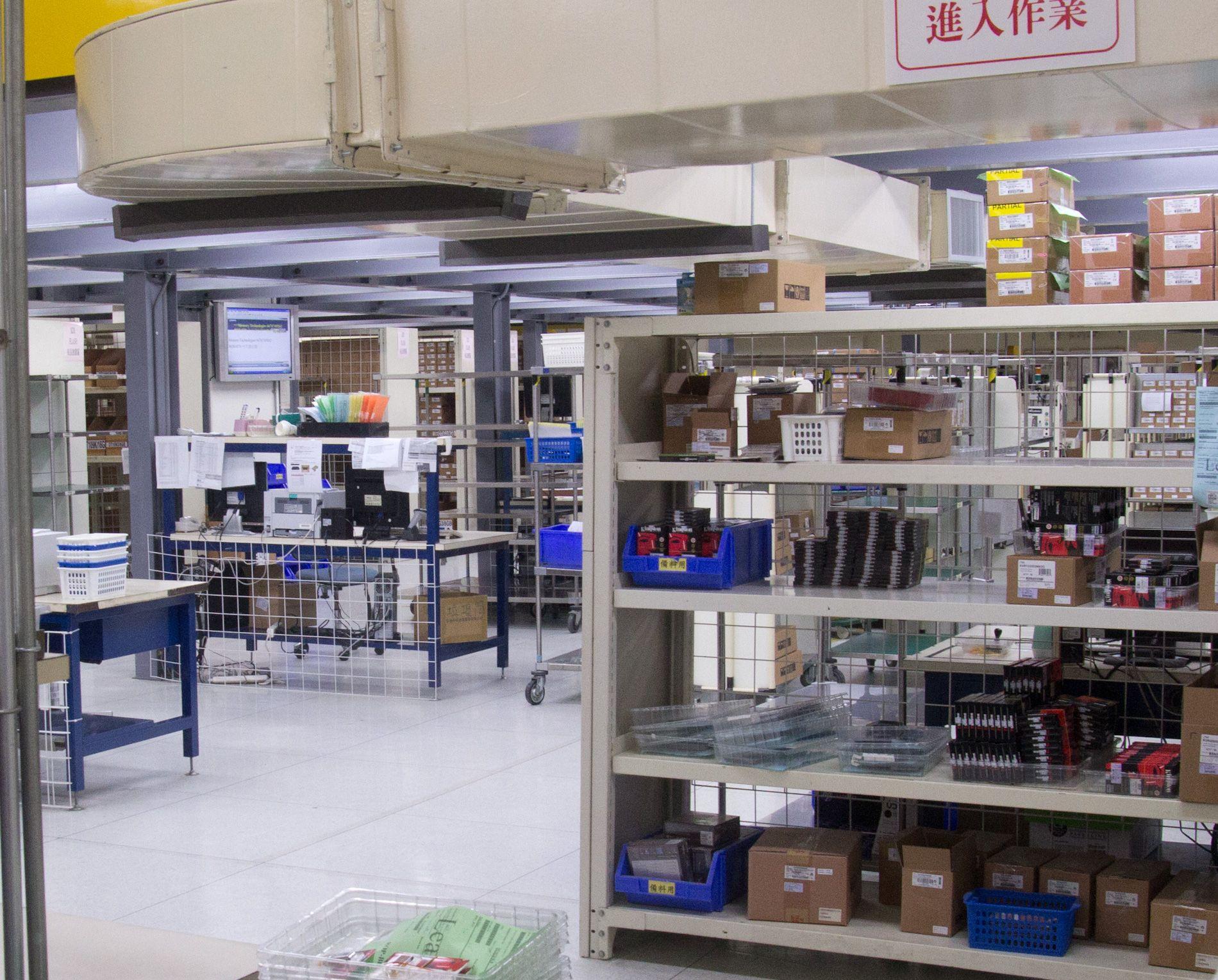 Her er siste stopp, før enhetene blir sendt på markedet.Foto: Rolf B. Wegner, Hardware.no