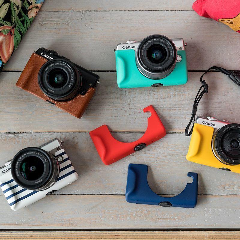 """Kameraet kommer i flere fargeutgaver, og Canon har flere kameraetuier i friske farger for å """"freshe"""" det opp ytteligere. Bilde: Canon"""