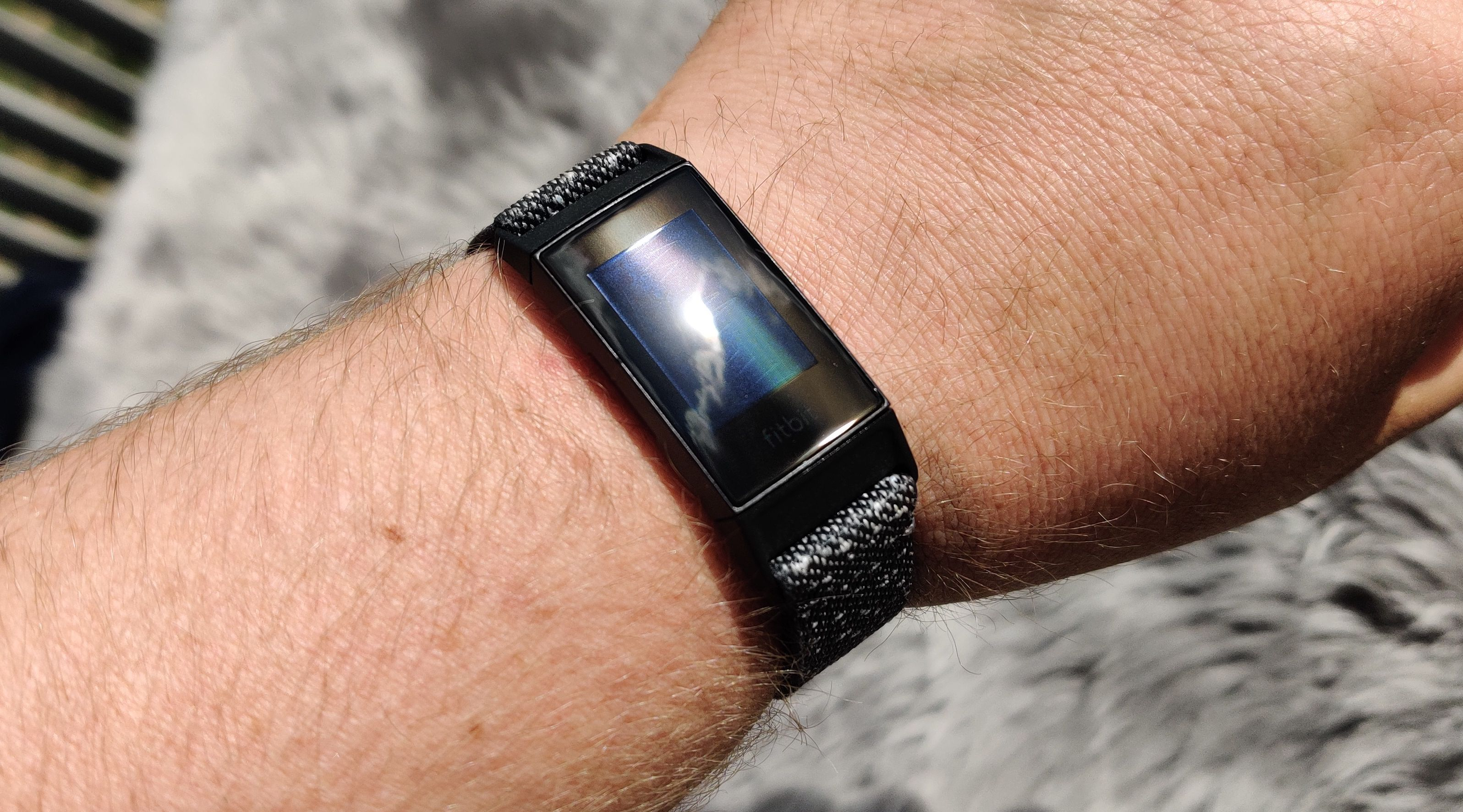 Selv med GPS innebygget er armbåndet fortsatt nett å ha på seg.
