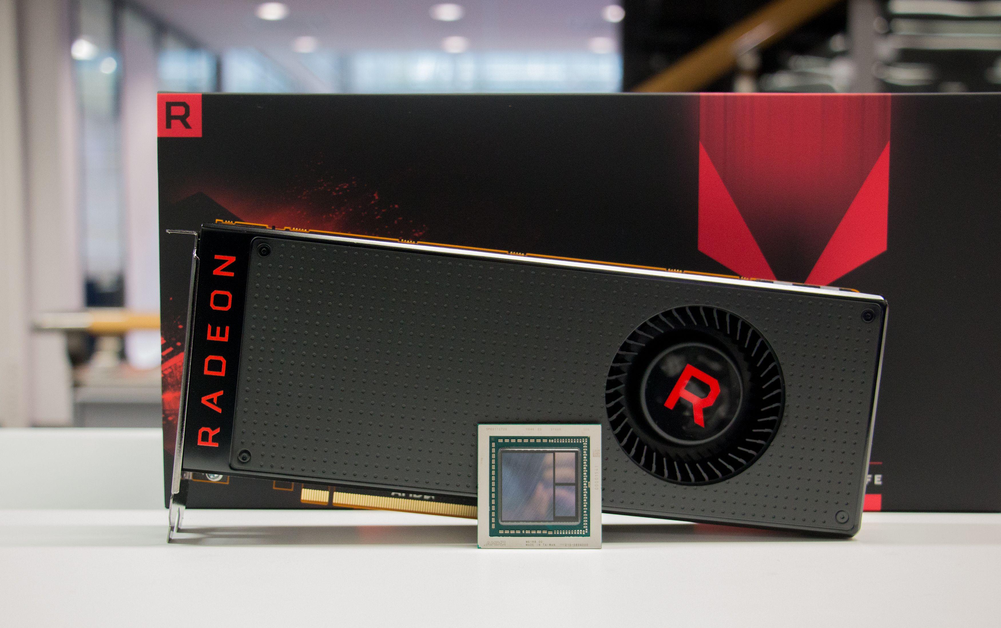 Vega 10 XT-brikken med 12,5 milliarder transistorer står i sentrum av RX Vega 64, AMDs kraftigste grafikkort noensinne.