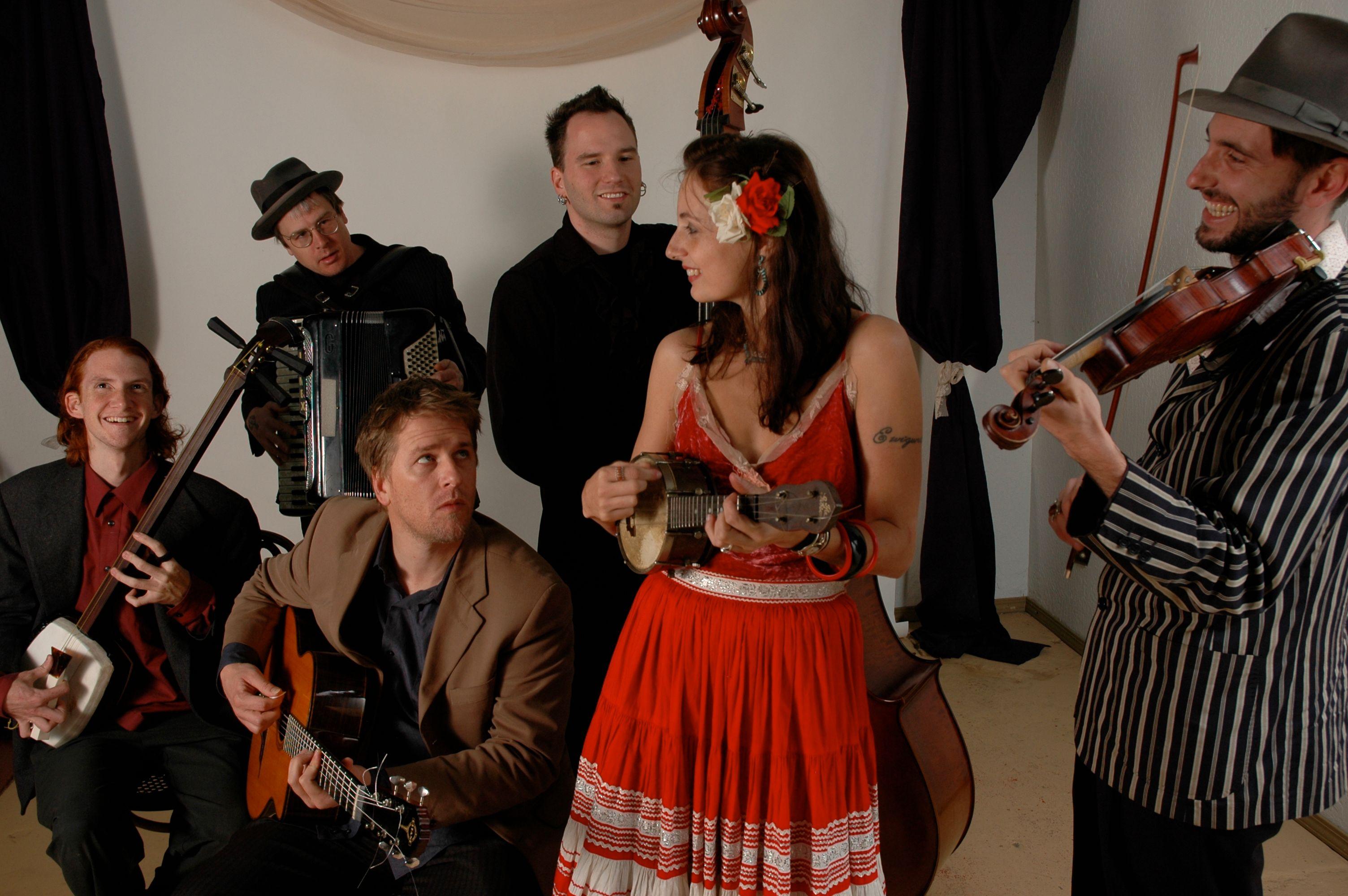 ishtank Ensemble er en musikalsk og kulturell smeltedigel som behersker det meste og er mer nyskapende enn de fleste.