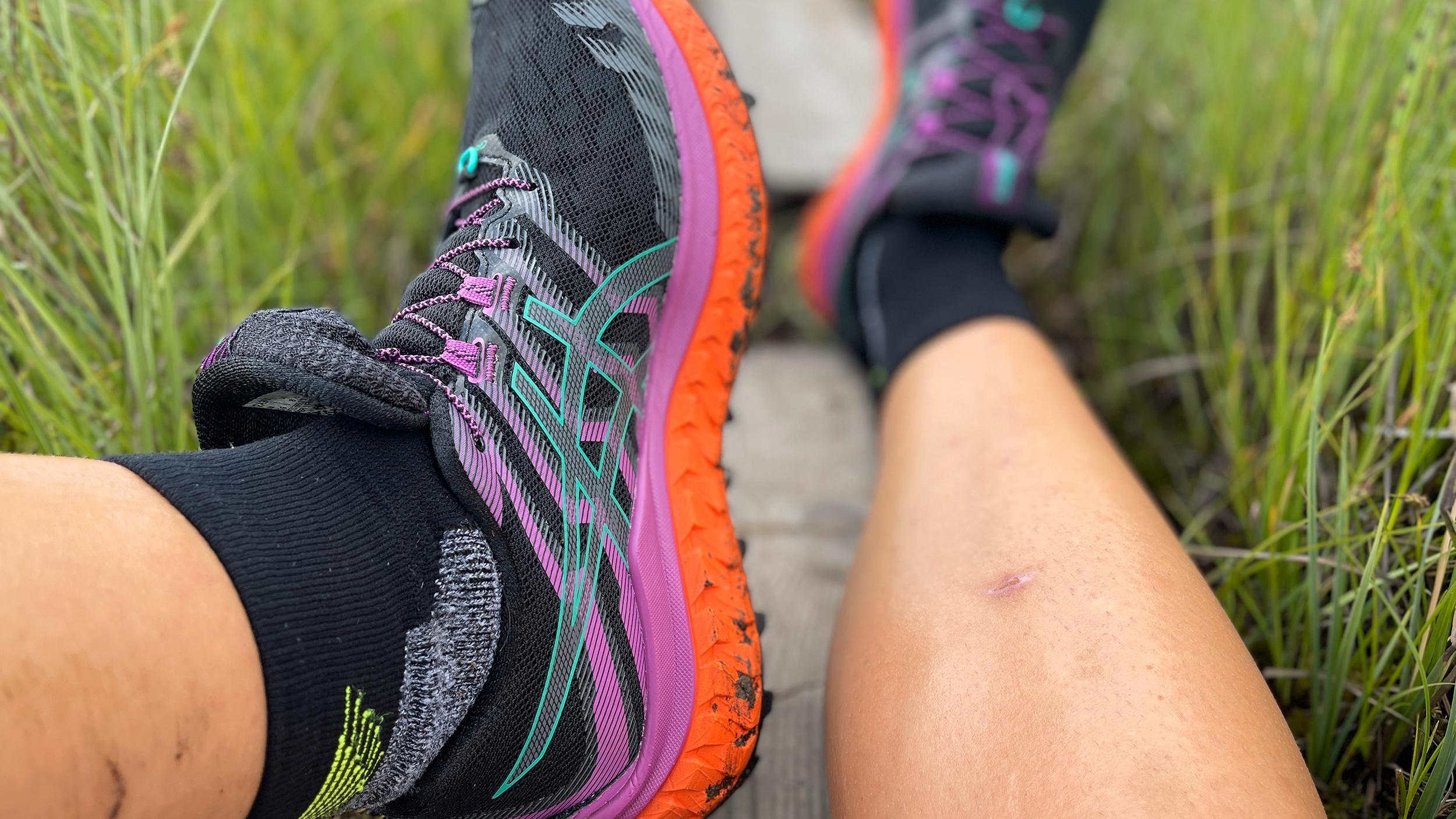SOLIDE: Trabuco Max er solide sko som kan ta deg lenger enn langt også på lange partier med grus/asfalt.