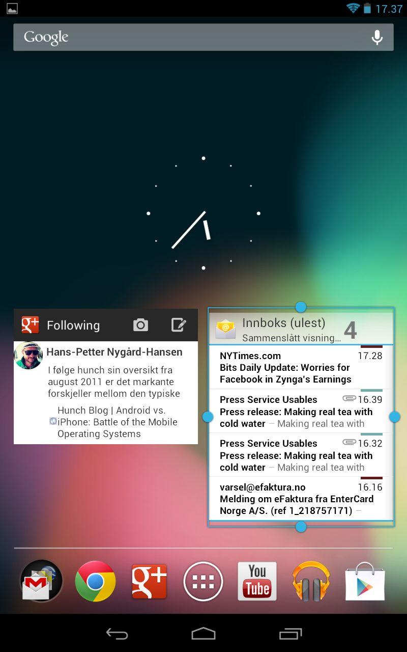 Det er tilsammen fem startskjermer som hver kan inneholde snarveier, mapper og widgeter. Her har vi lagt på widgeter for Google+ og e-post.