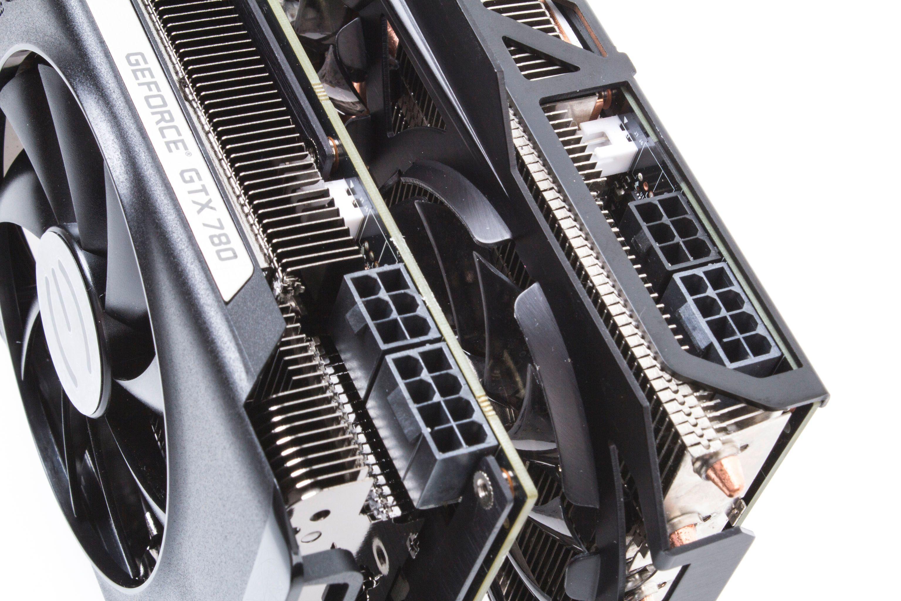Begge kortene krever PCIe-strøm gjennom både 6- og 8-pins plugger.Foto: Varg Aamo, Hardware.no