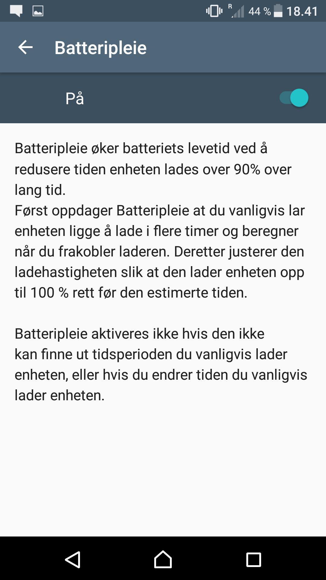 En egen funksjon prøver å sørge for at batteriet ikke er fullt hele tiden når telefonen er koblet til lader.