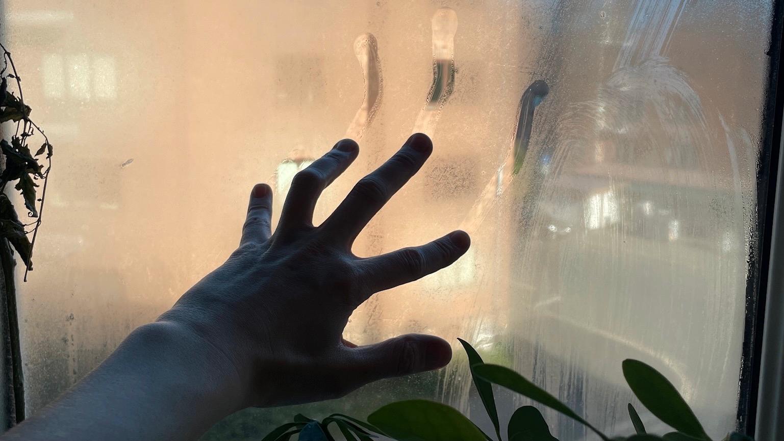 Kjøkkenet ble til zombie-Titanic i løpet av testperioden etter ørten liten vann som måtte kokes opp.