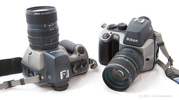 Sjeldent kamera: Ifølge Jarle Aasland finnes det sannsynligvis rundt 12-13 av disse kameraene i verden. Selv eier Aasland ikke bare et, men to kameraer av denne typen. Mest sannsynlig er han den eneste eieren av to stykker. Foto: Jarle Aasland.