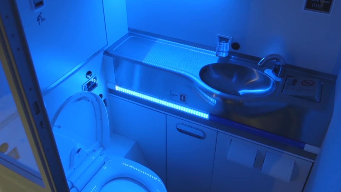 UV-lys på doen skal få bakterier til å «bokstavelig talt eksplodere»