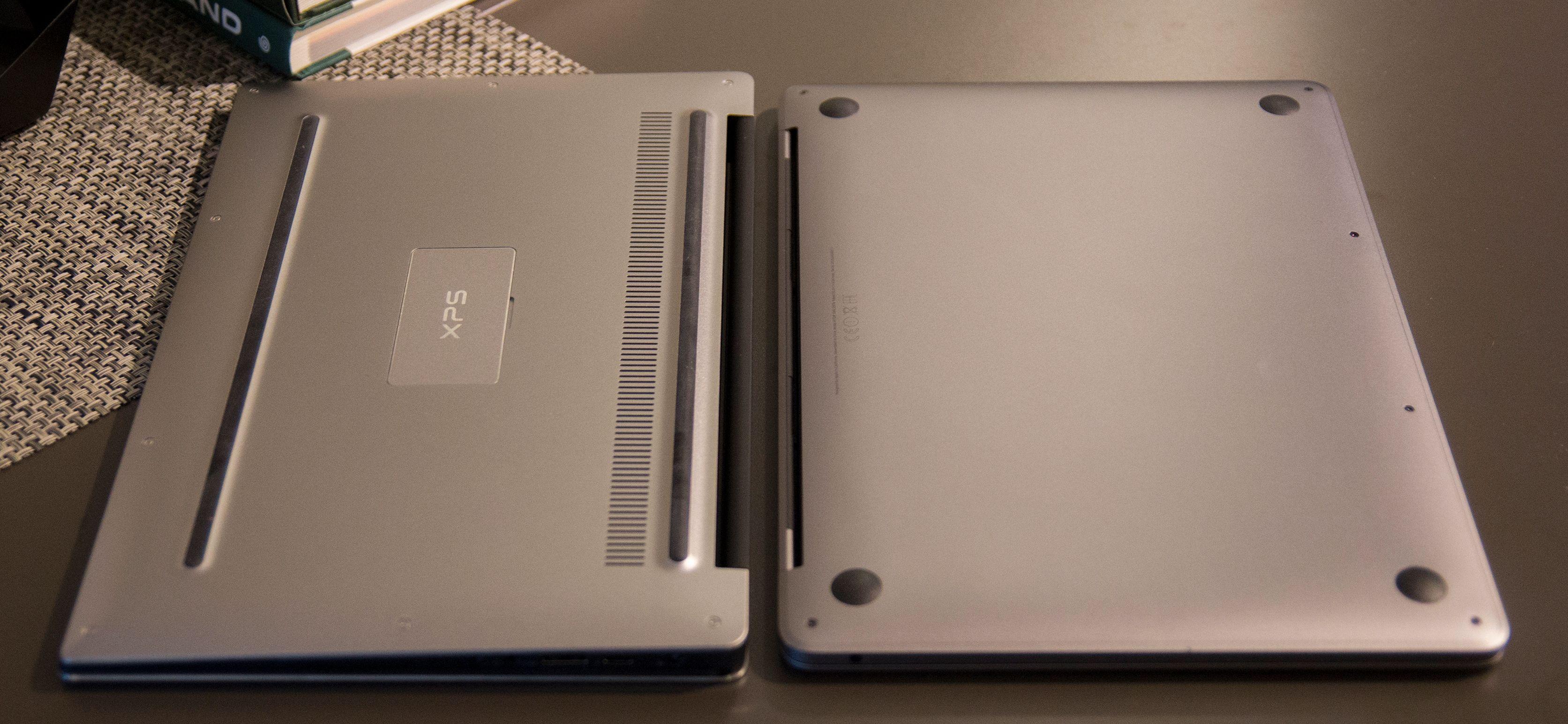 Begge maskinene er veldig minimalistiske, selv på undersiden er det «ryddet opp».
