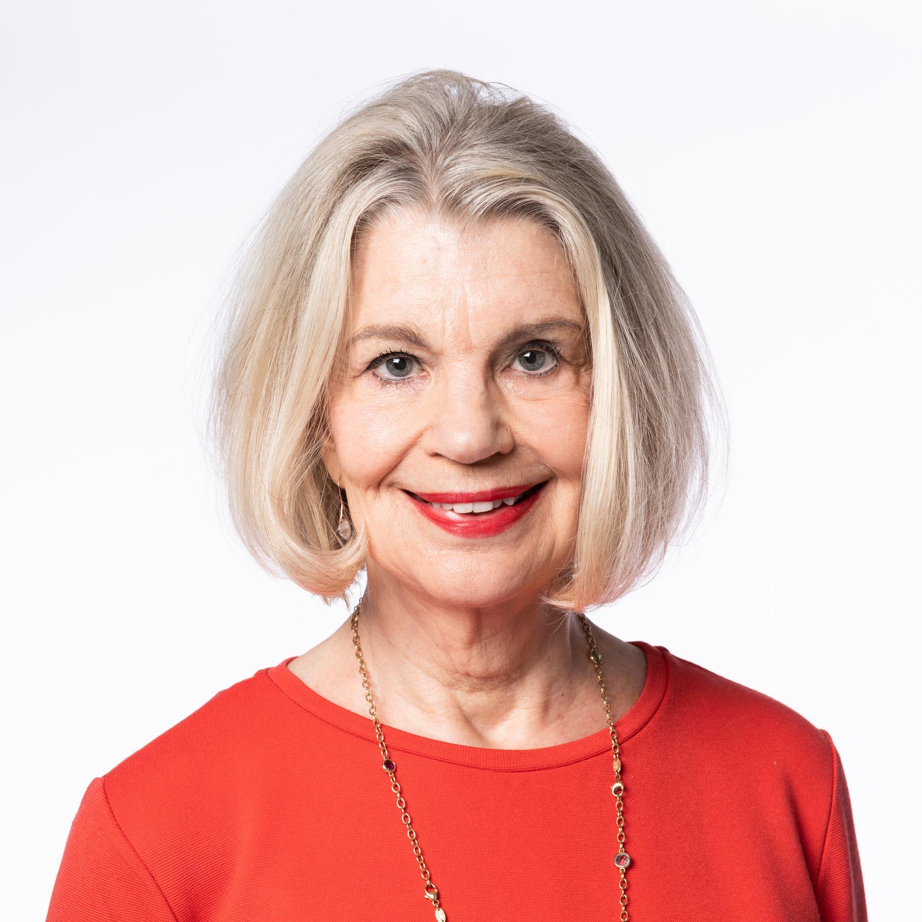 Malena Ivarsson är sociolog, sexolog och författare. I många år har hon svarat på läsarnas frågor om sex, samlevnad och relationer.